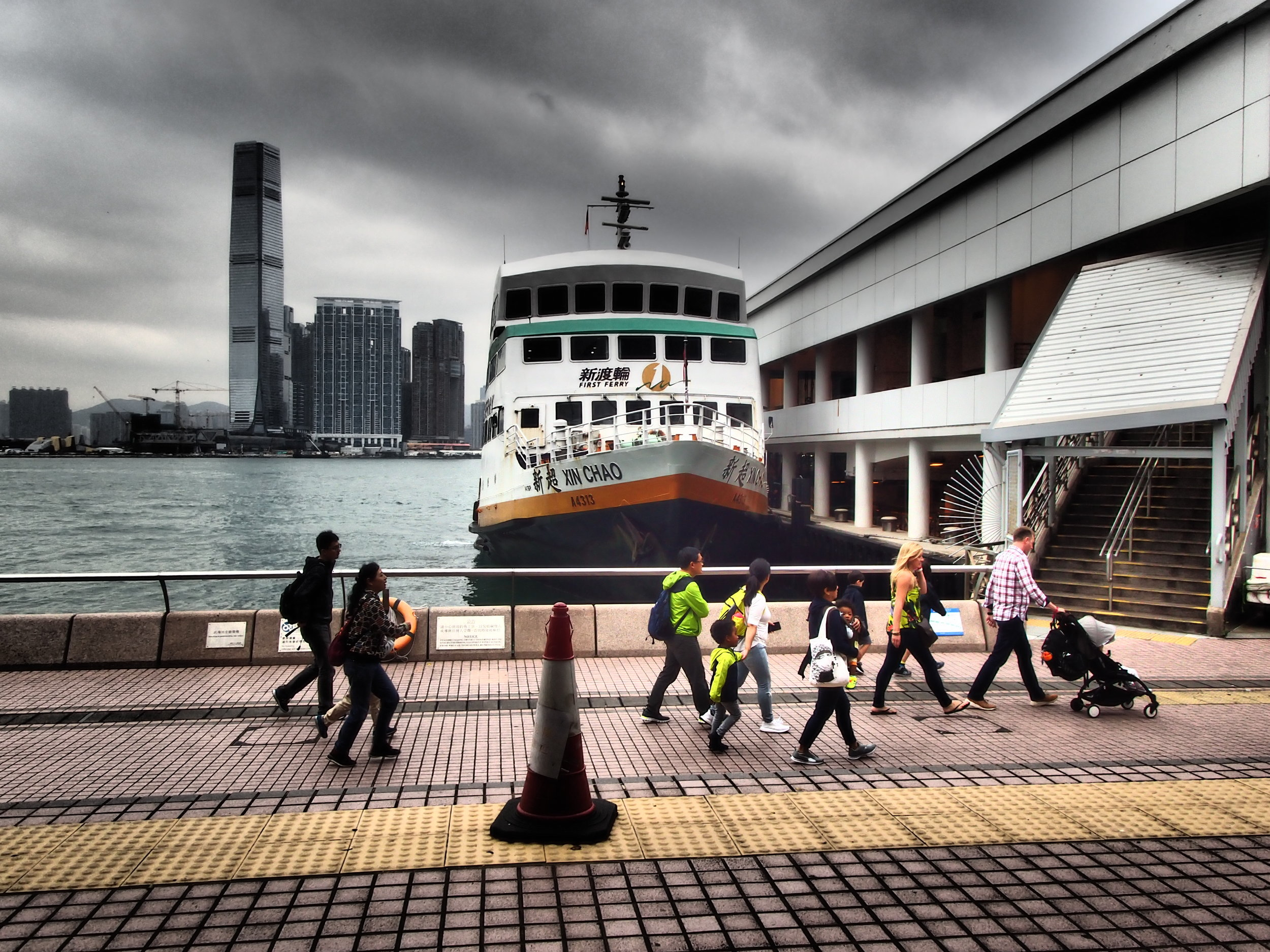 Waiting for my boat (Hong Kong Central ferry piers)