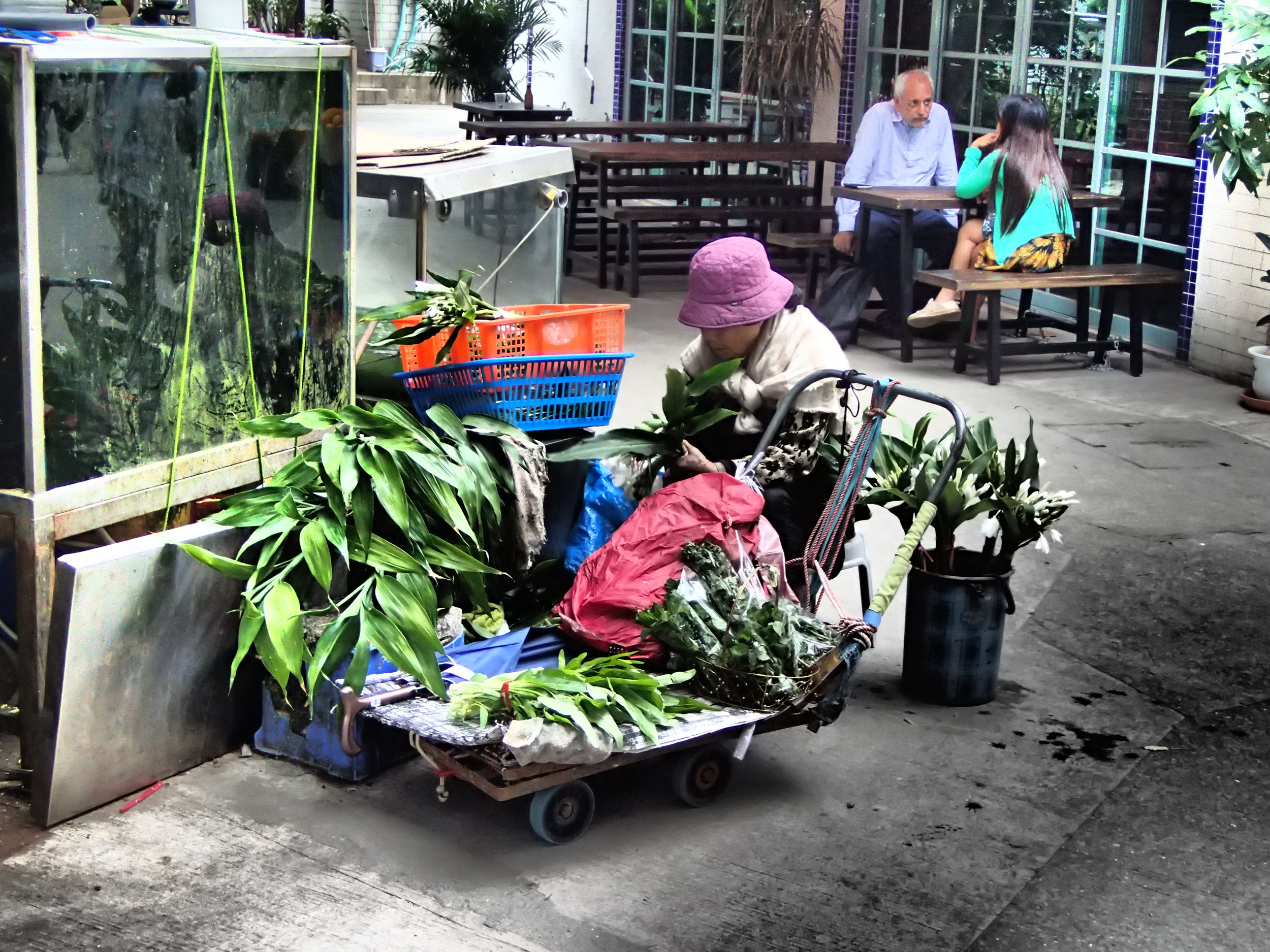 Mobile flower shop in Yung Shue Wan