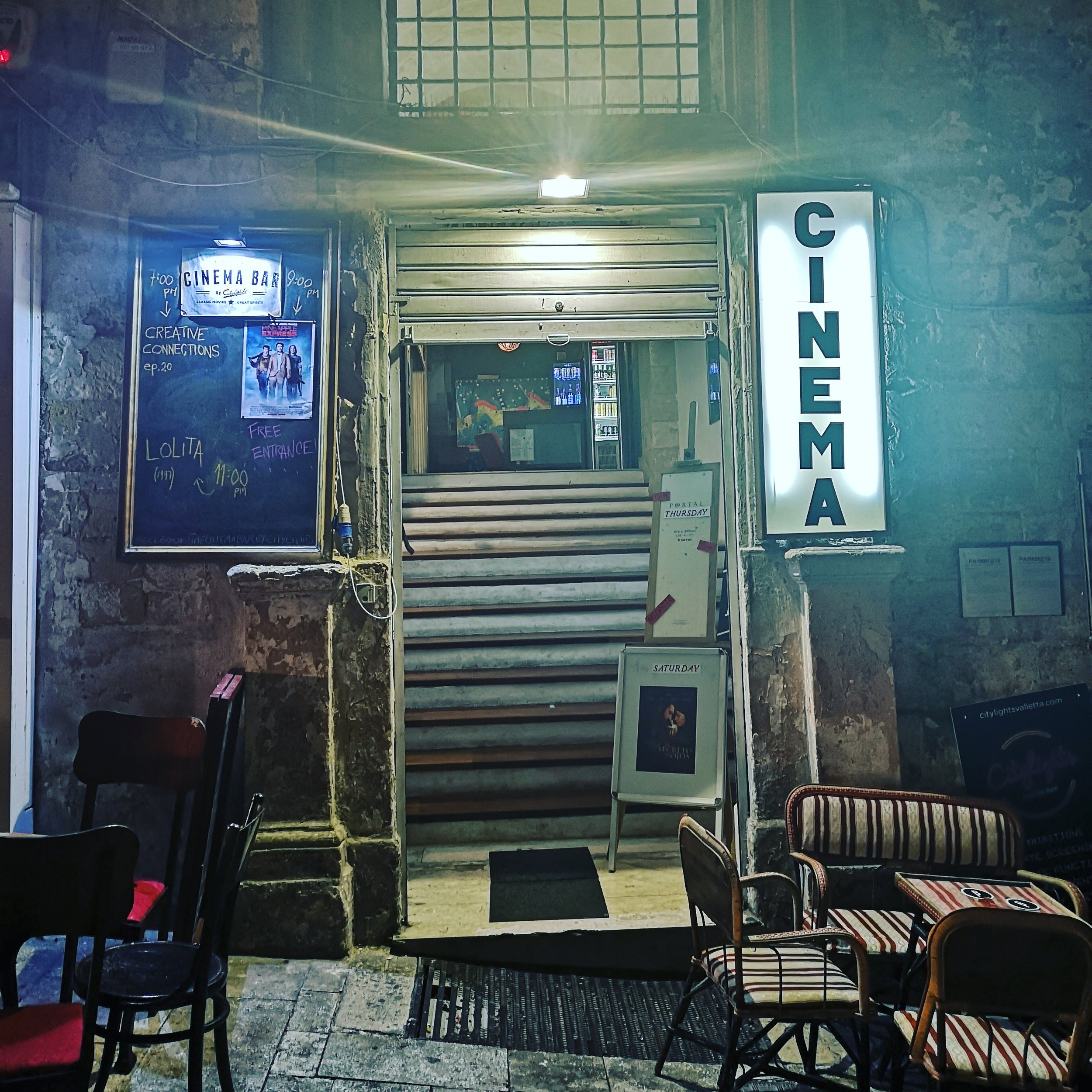 "Yesterday's venue of the ""Malta Creative Collective"" (MCC) was the old Citylight Cinema in Valletta. It was a really beautiful discovery for me. Here, I was told, they already played silent movies in the 1930s."