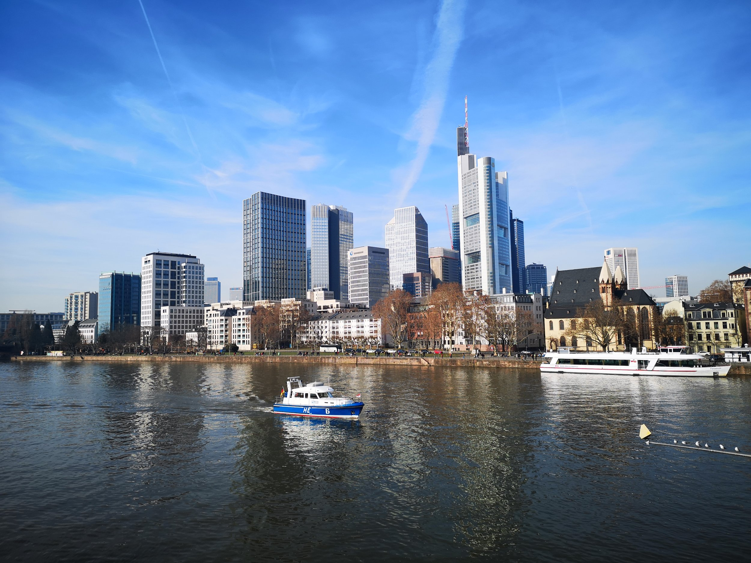 "Frankfurt seen from crossing the ""Eiserner Steg"" bridge coming from the Museum bank side."