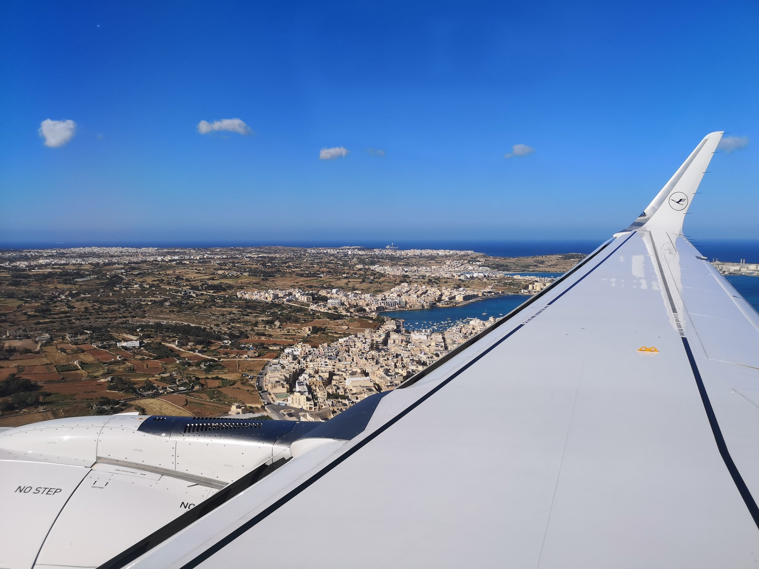 First attempt to land in Luqa...
