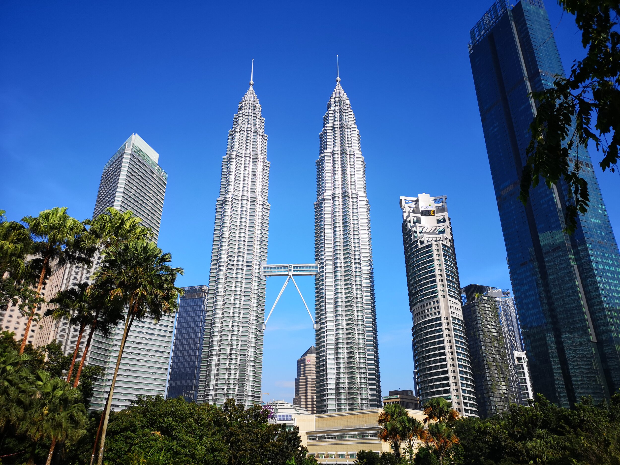 Twin Towers in Kuala Lumpur and the KLCC. The city appears to be a viable alternative to Hong Kong when it comes to having a South East Asia headquarter. And it is much less cramped also.