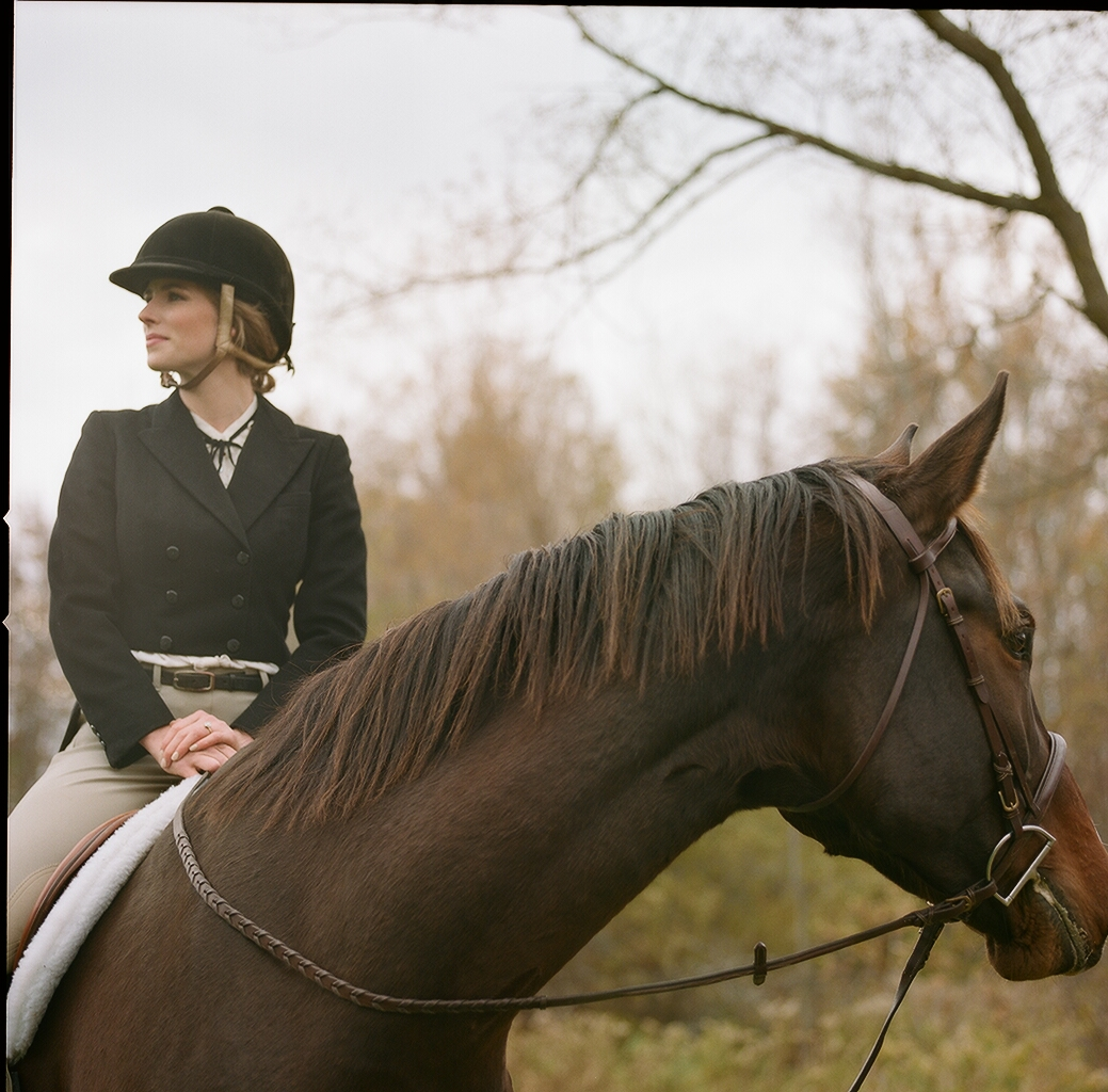 rebeccawood_ameliawood_equestrian