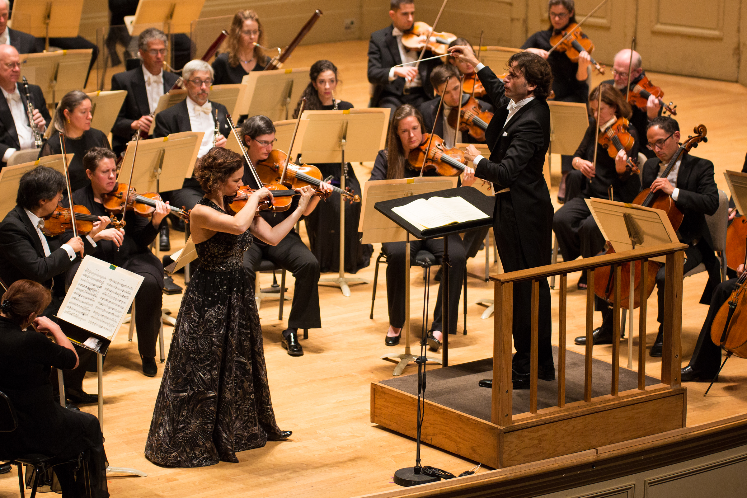 Hilary Hahn performs the Dvorak concerto with the Boston Symphony Orchestra, Gustavo Gimeno conducting, at Symphony Hall, Oct. 12, 2017. Robert Torres photograph