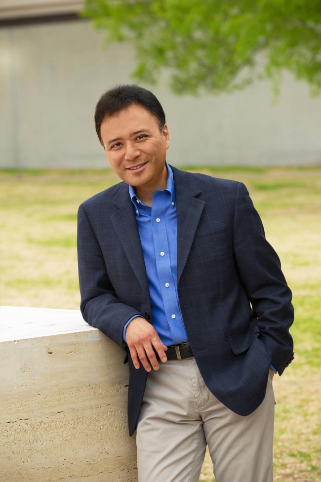 Co-director of the Cape Cod Chamber Music Festival, pianist Jon Nakamatsu