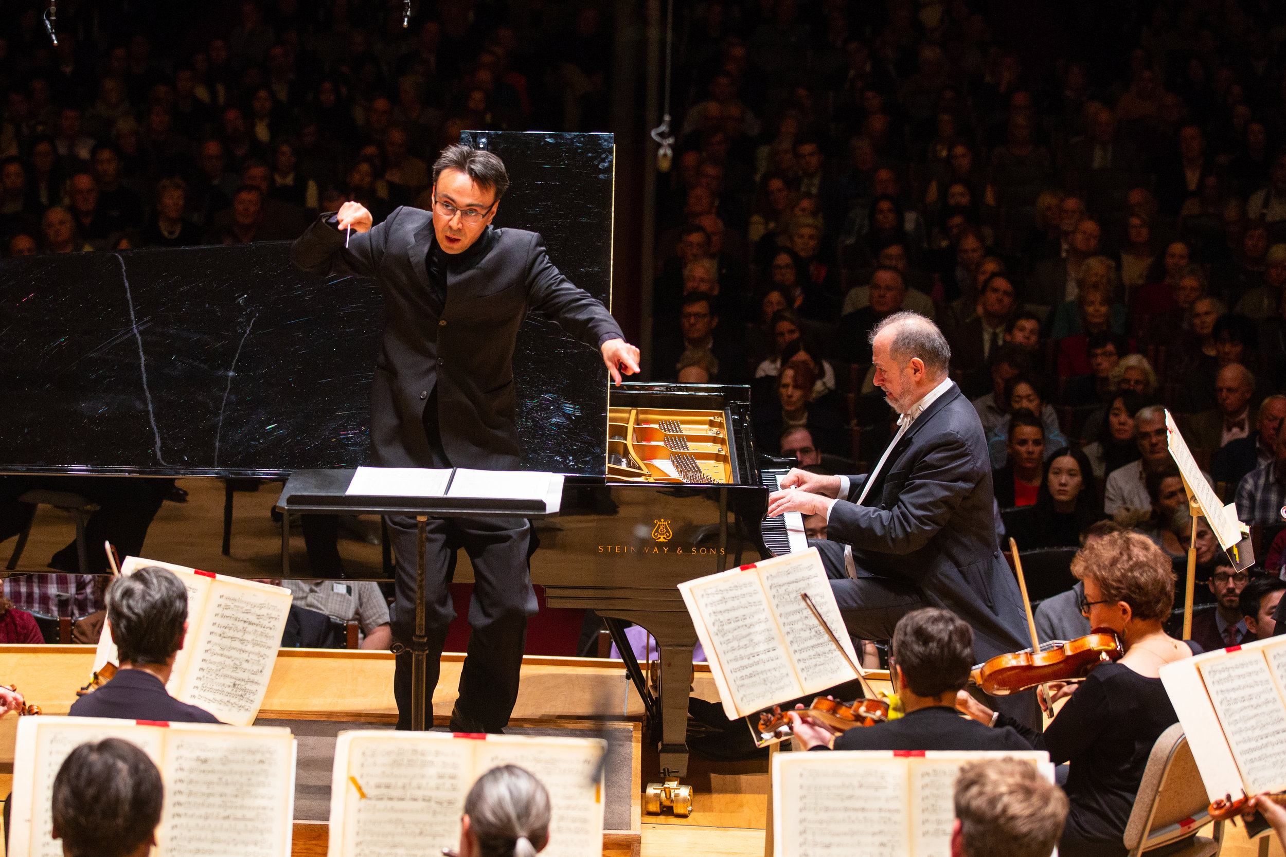 Ken-David Masur leads the Boston Symphony Orchestra, with soloist Garrick Ohlsson, in Rachmaninov's first piano concerto. Robert Torres photograph