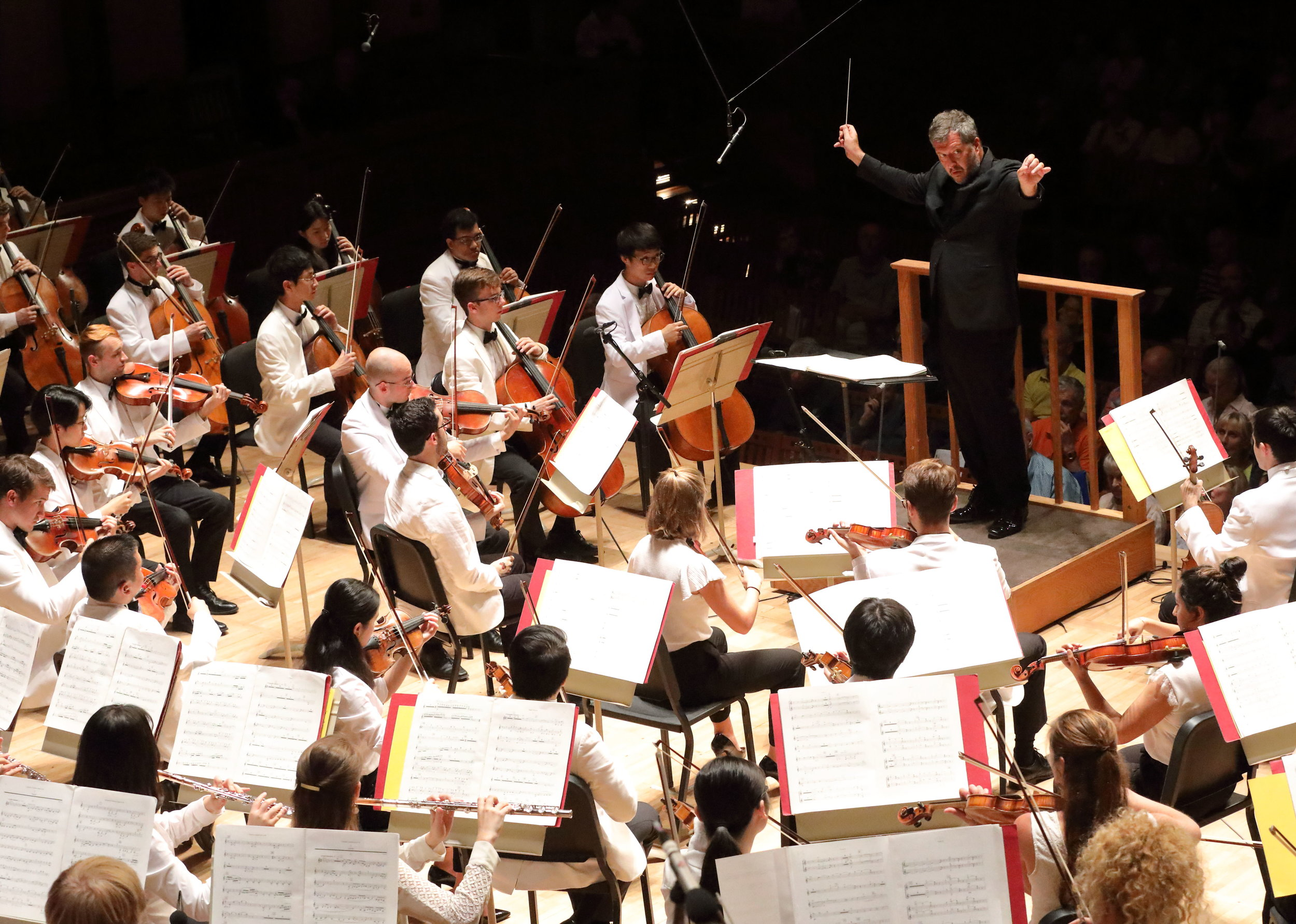 Thomas Adès leads the Tanglewood Music Center Orchestra in Poul Ruders' Fifth Symphony, Aug. 12 at Ozawa Hall. Hilary Scott photograph