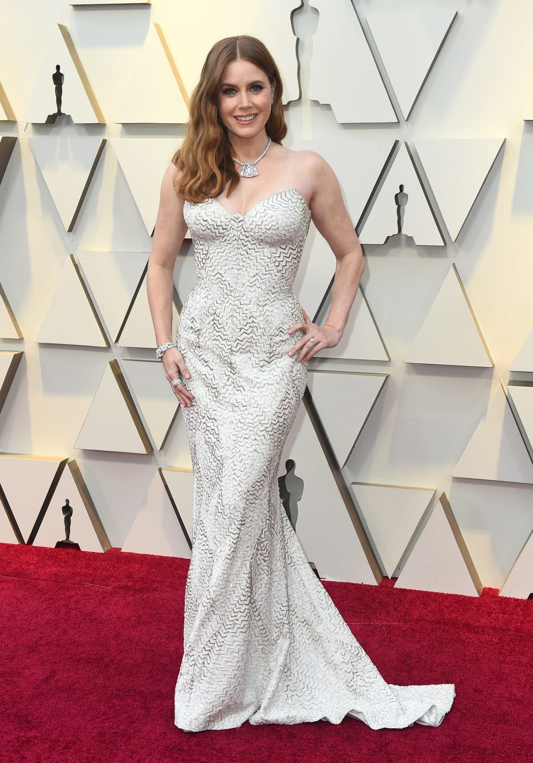 jinza-bridal-oscar-2019-amy-adams.jpg