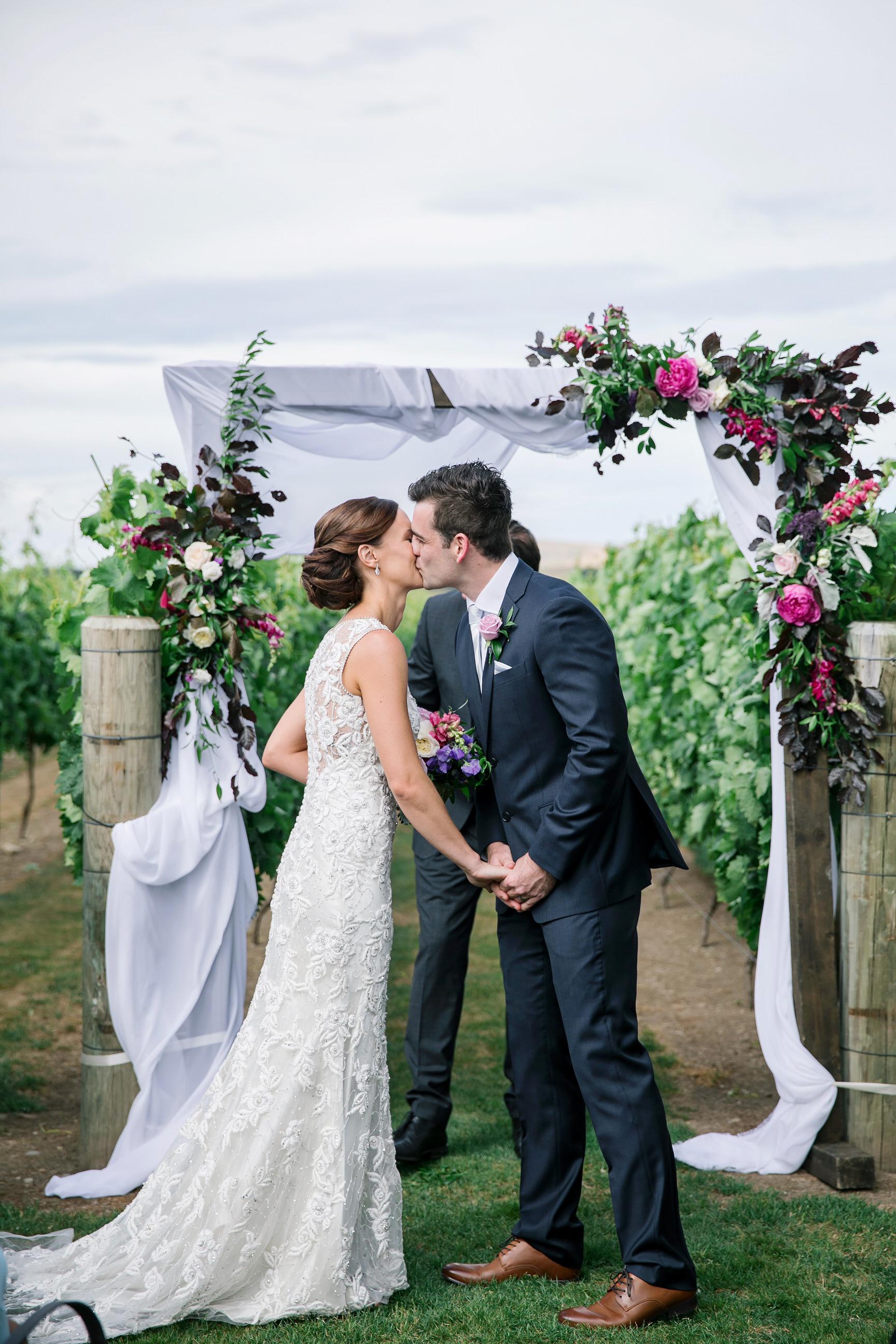 Martinborough-Poppies-Wedding-Caine-Eloise-Toni-Larsen-0086.jpg