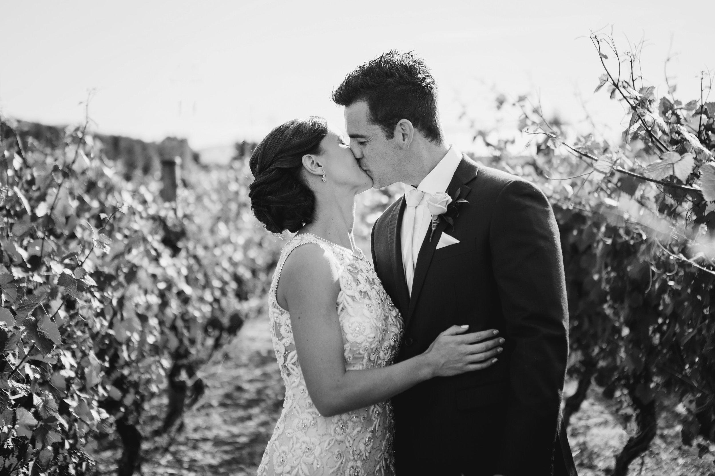 Martinborough-Poppies-Wedding-Caine-Eloise-Toni-Larsen-0104.jpg