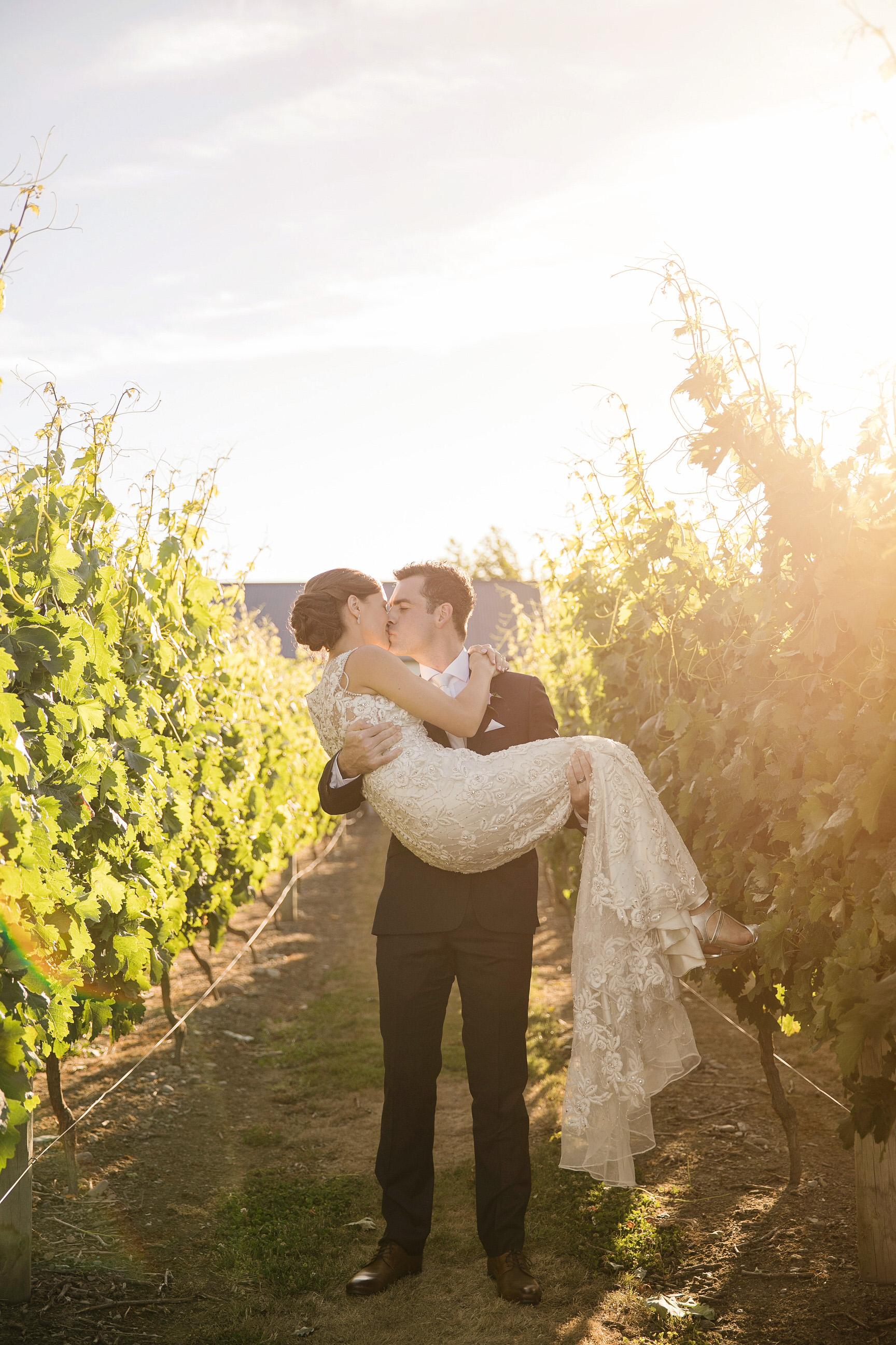 Martinborough-Poppies-Wedding-Caine-Eloise-Toni-Larsen-0109.jpg