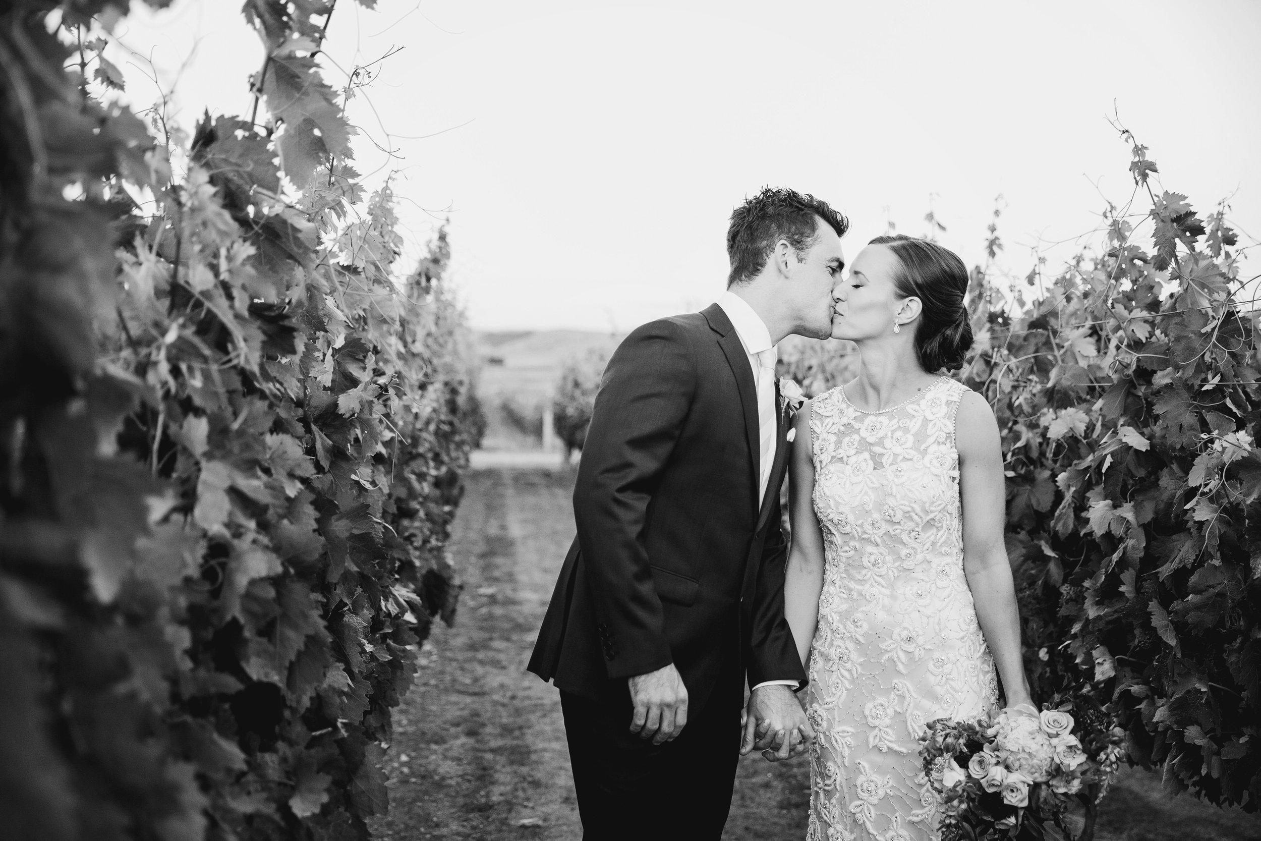 Martinborough-Poppies-Wedding-Caine-Eloise-Toni-Larsen-0117.jpg