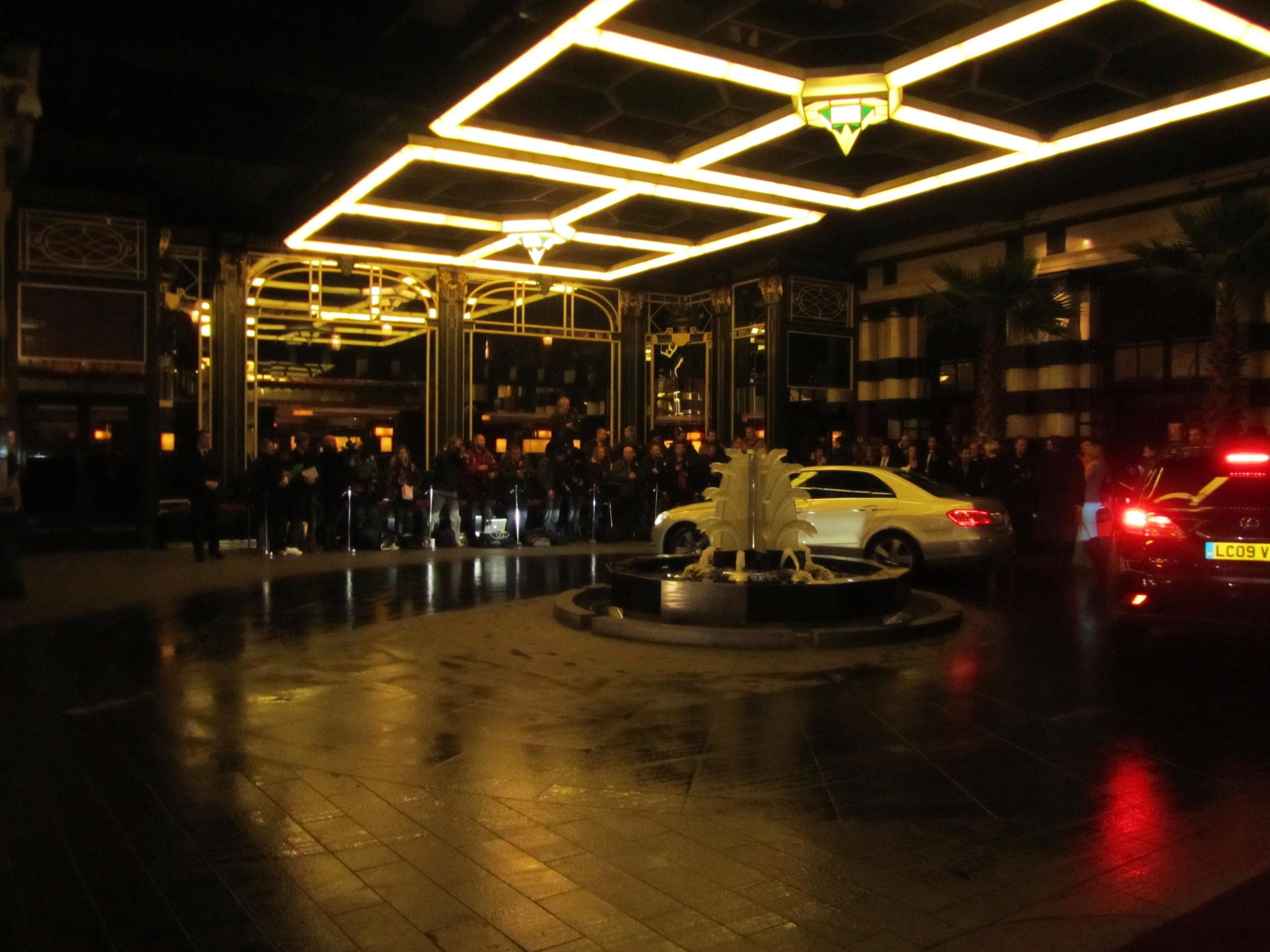 british fashion awards savoy entrance.JPG