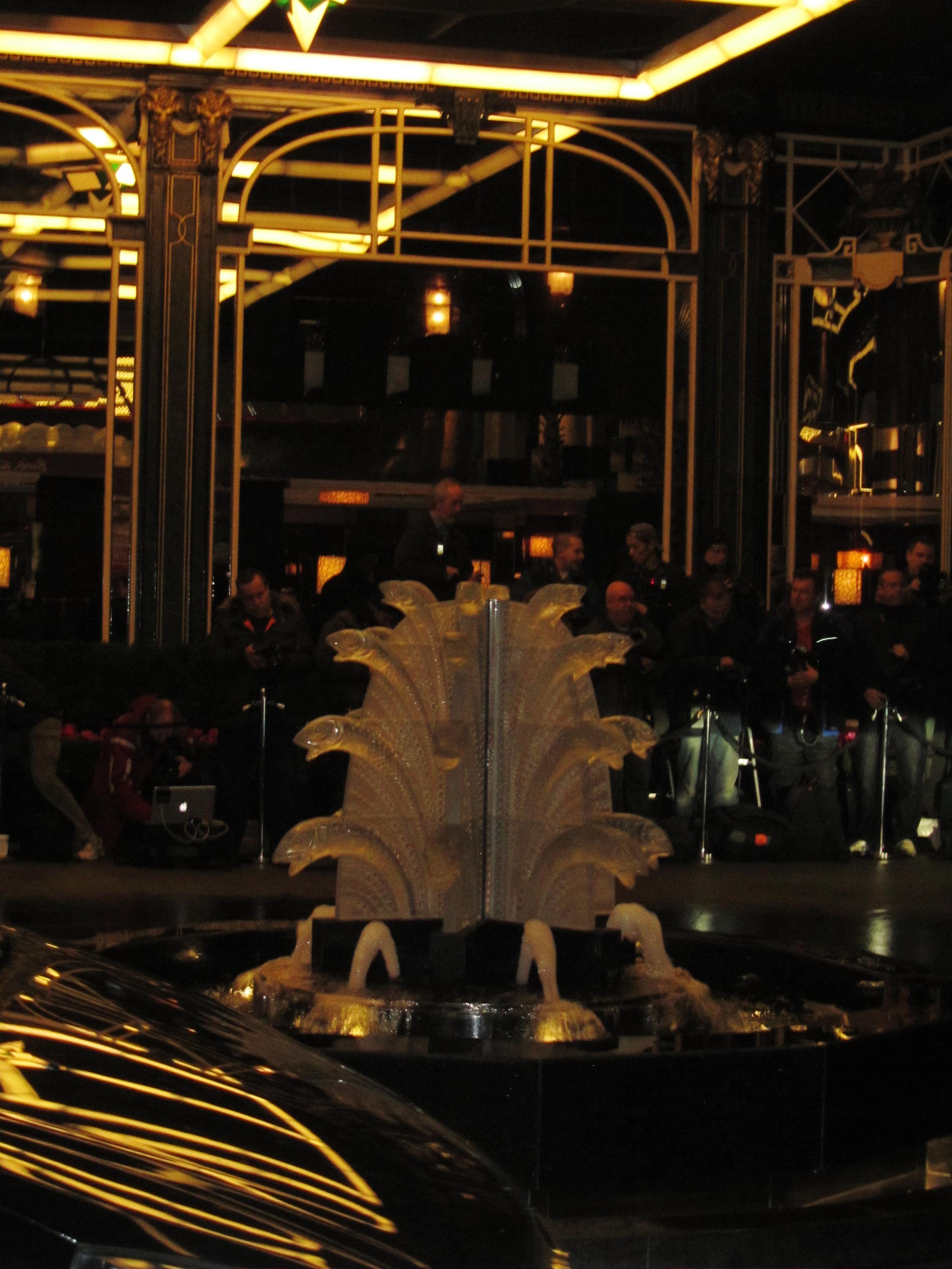 savoy glass fish fountain fashion awards.JPG
