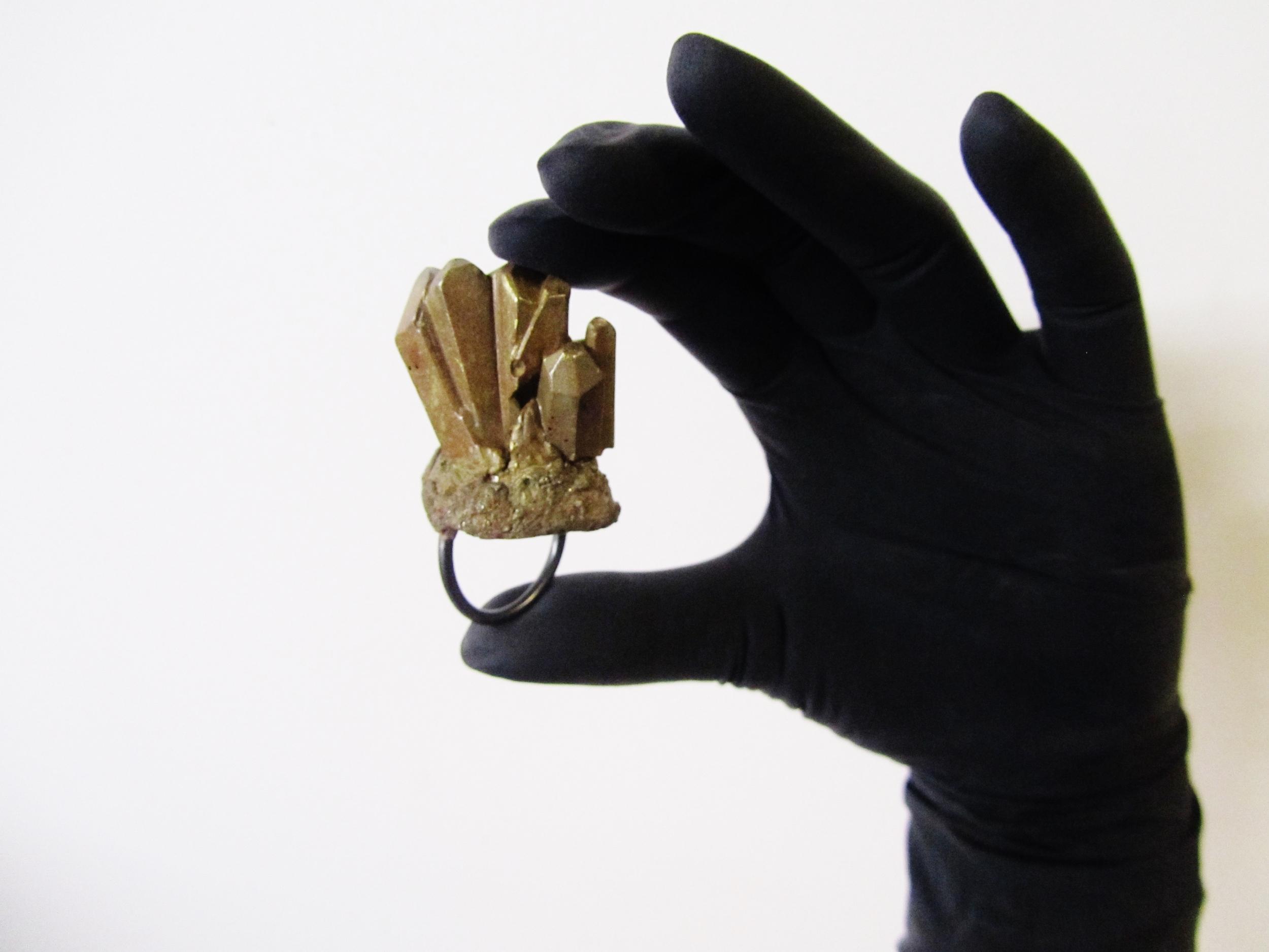 jade mellor bespoke jewellery ring crystals minerals rust angle.JPG