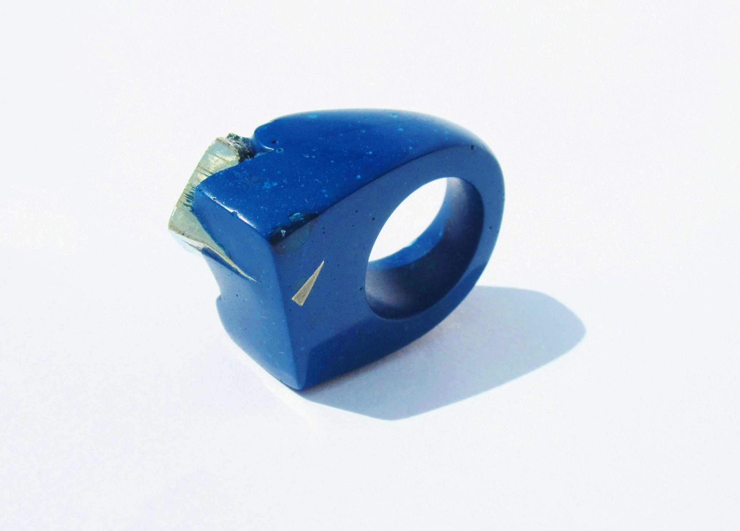 jade mellor blue gold hewn ring.JPG