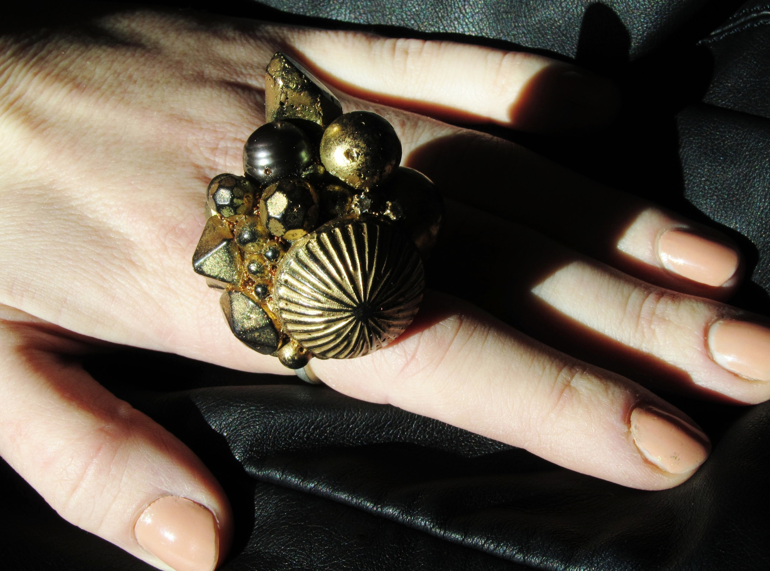 Diamonds & pearls encrusted ring inspired by lost treasures of the deep