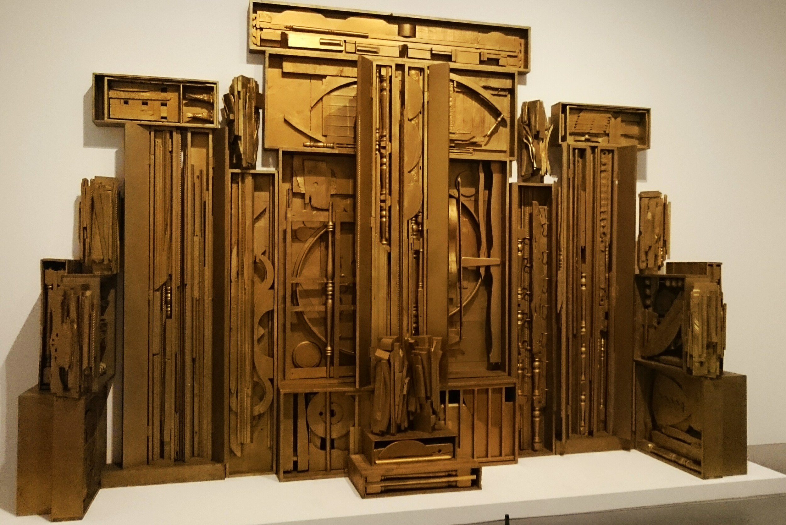 "Louise Nevelson   "" An American Tribute to the British People"" 1960–4 Painted wood, 3110 x 4424 x 920 mm"