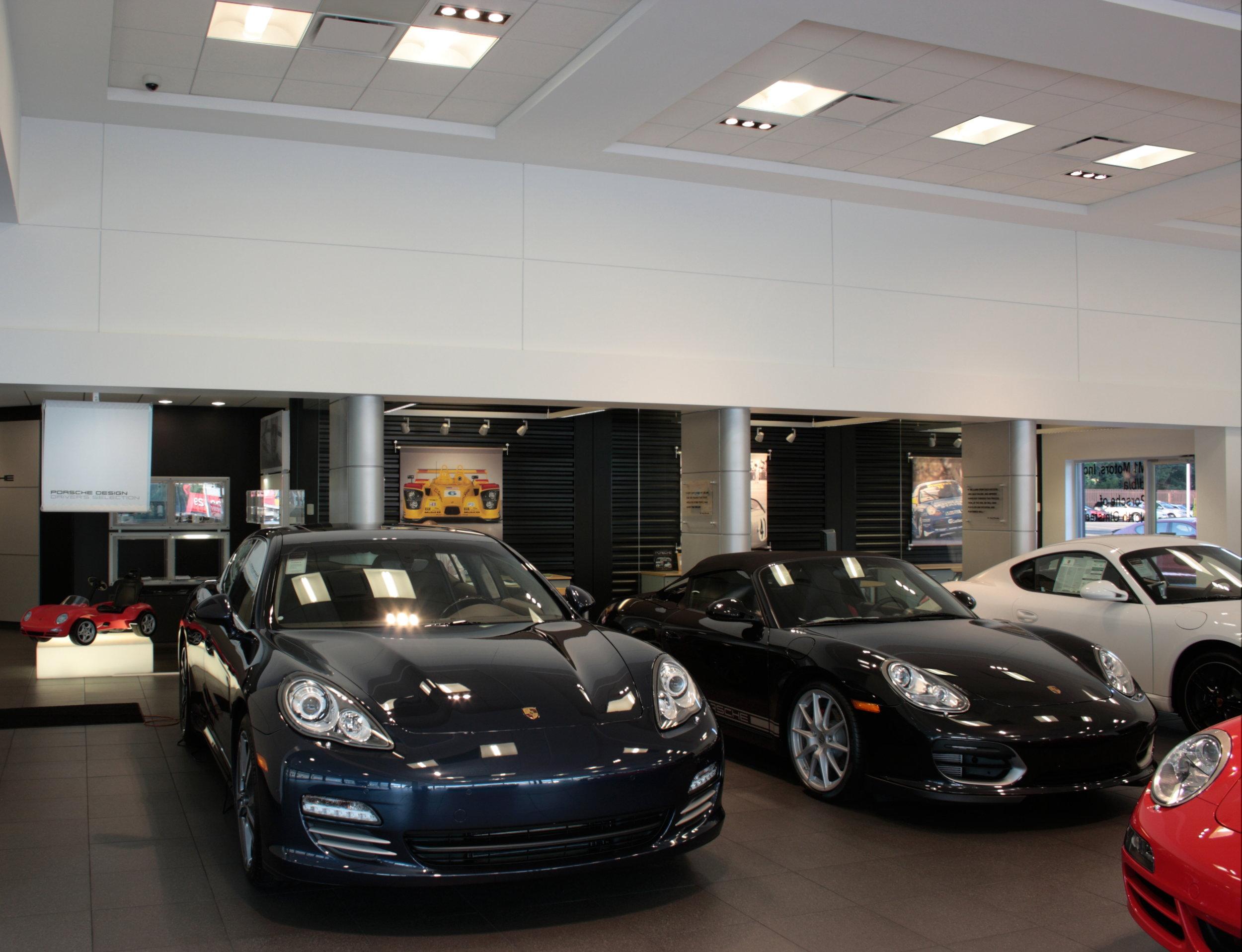 Porsche_showroom2.JPG