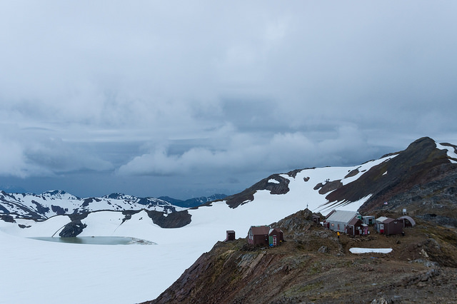 Camp 17, with Cairn Peak in the background, and Lake Linda and the Lemon Creek Glacier to the left. Photo: Daniel Otto.