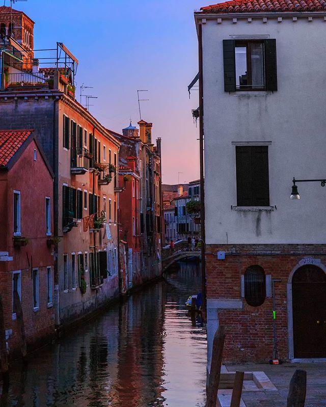 Sunset in Venice, Italy #canonphotography #canon6d #italy #venice #venezia