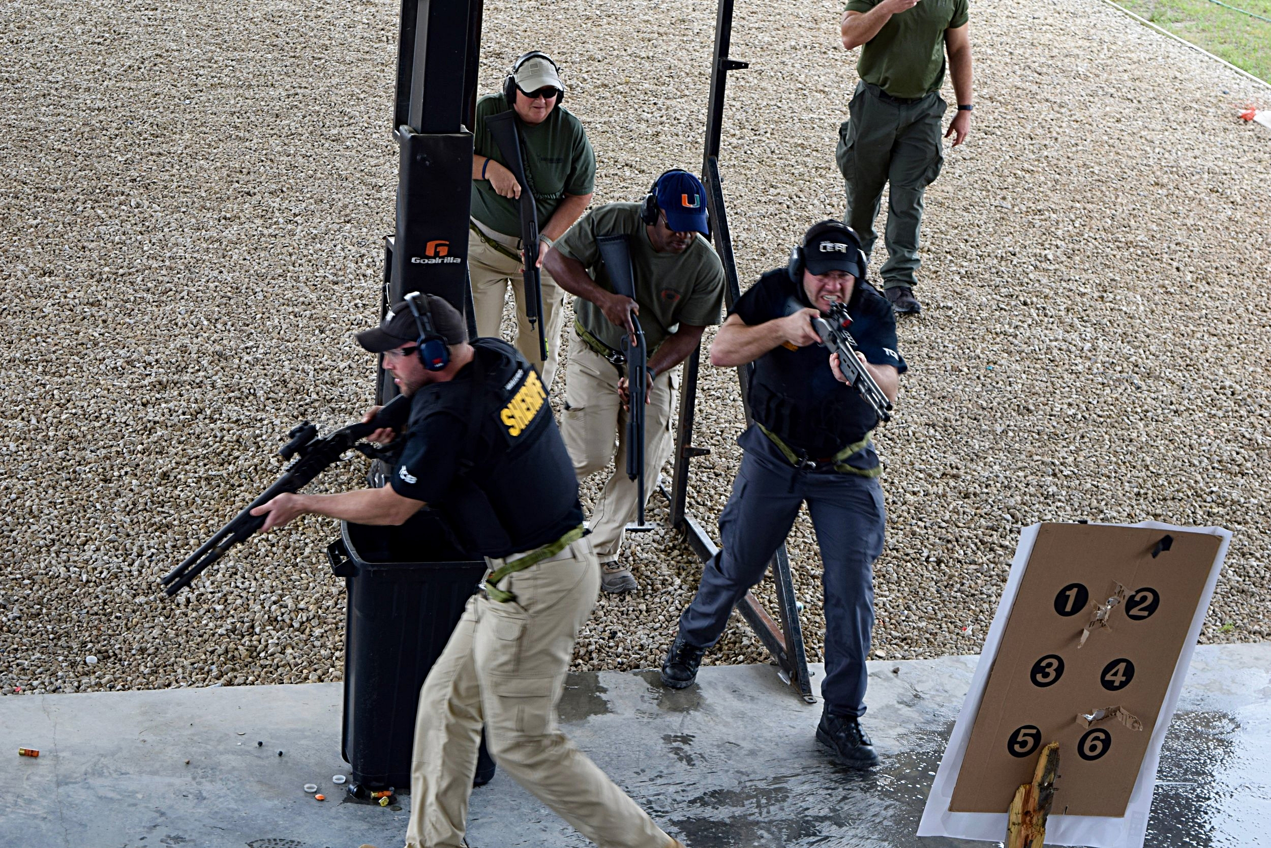 Operators from Kent County SO MI and Palm Beach COunty Sheriff Office, undergo training in Active Shooter in a Correctional Setting