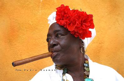 Cubana smoking a puro 396 X 260.jpg