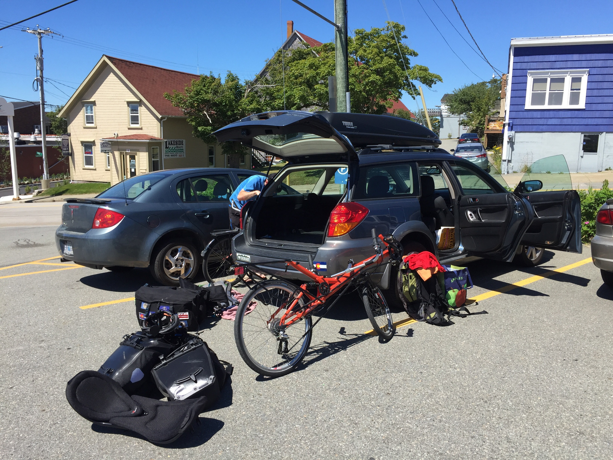 Loading up the bikes in Yarmouth.