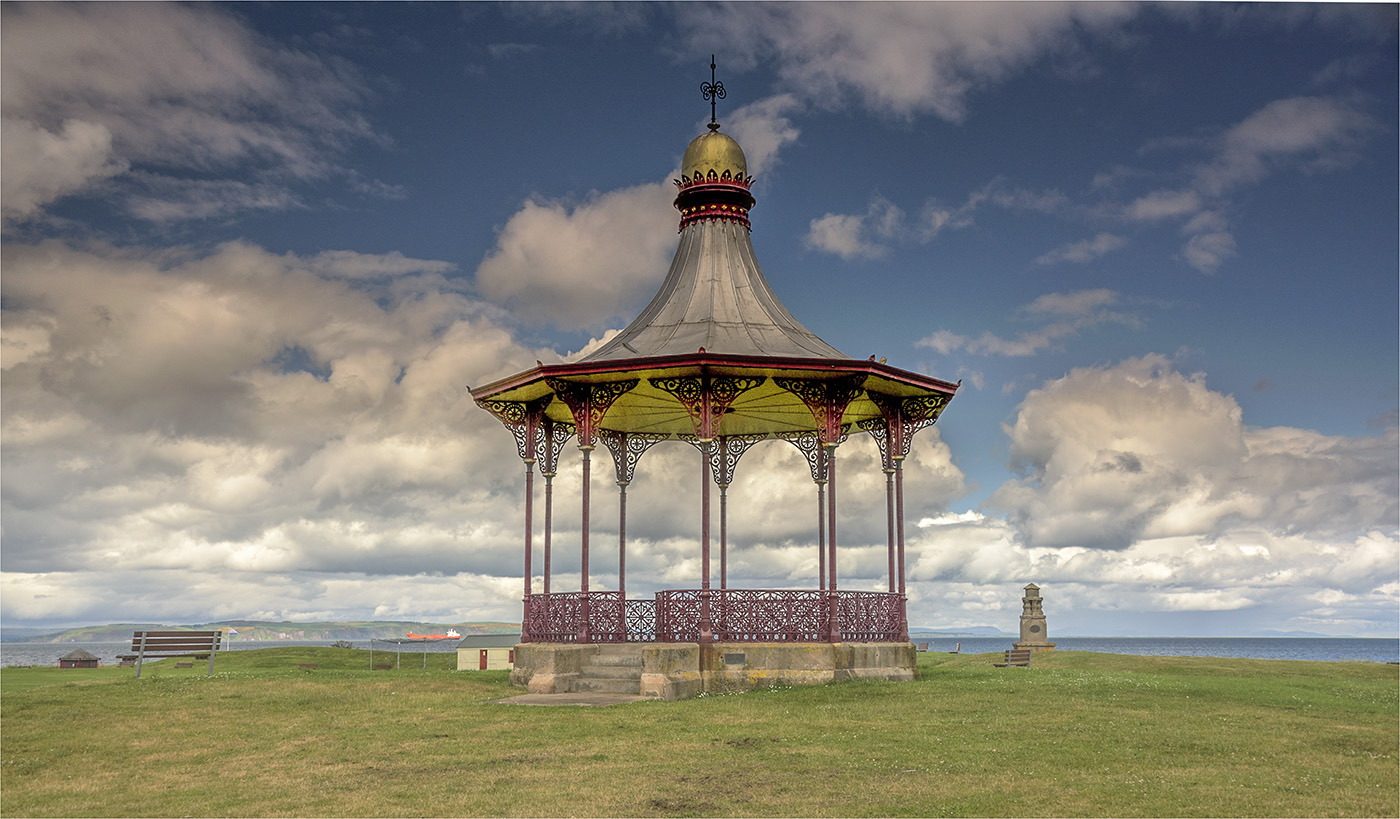 2_Wallace Bandstand at Nairn_Ray Portman.jpg