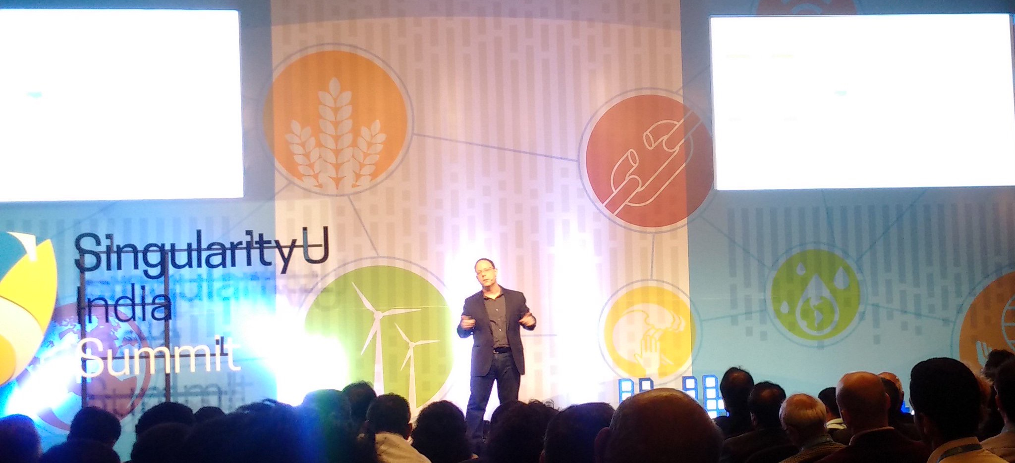Kent Langley presenting Exponential Organizations to the 250 attendees of Singularity University's Inaugural India Summit