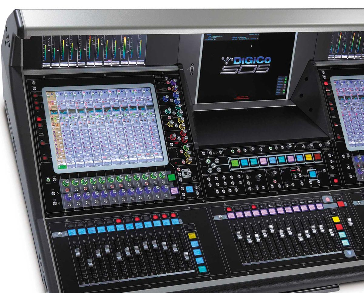 Set up as a center master console, the SD5 gives you lots of screens, and lots of dedicated controls.