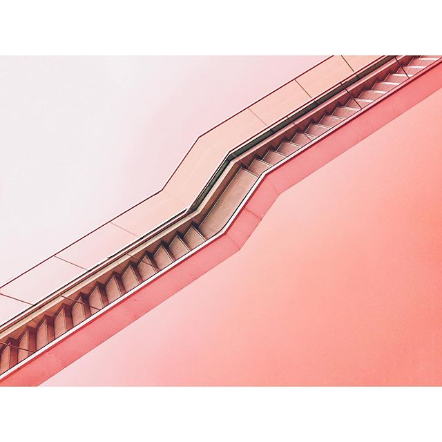 Caught my eye 👀 today whilst searching for stock imagery - 📸 Max Ostrozhinskiy . . . . #photography #abstract #abstractphotography #stairs #staircase #lines #stripes #pink #angles #architecture #unsplash