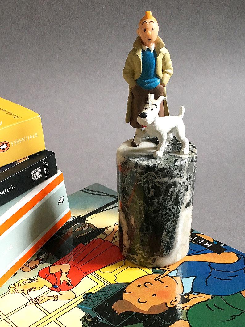 Tintin and Snowy on plinth.jpg