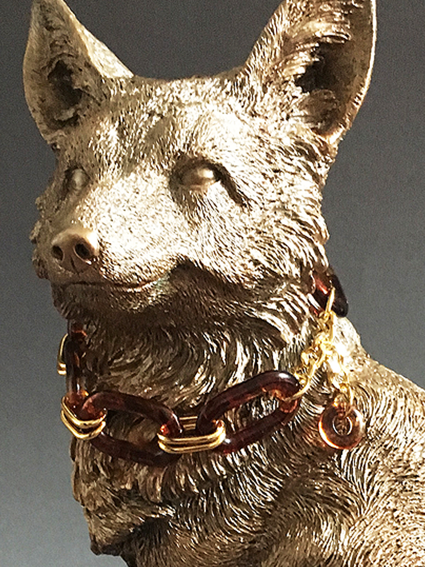 Fox with necklace sculpture.jpg