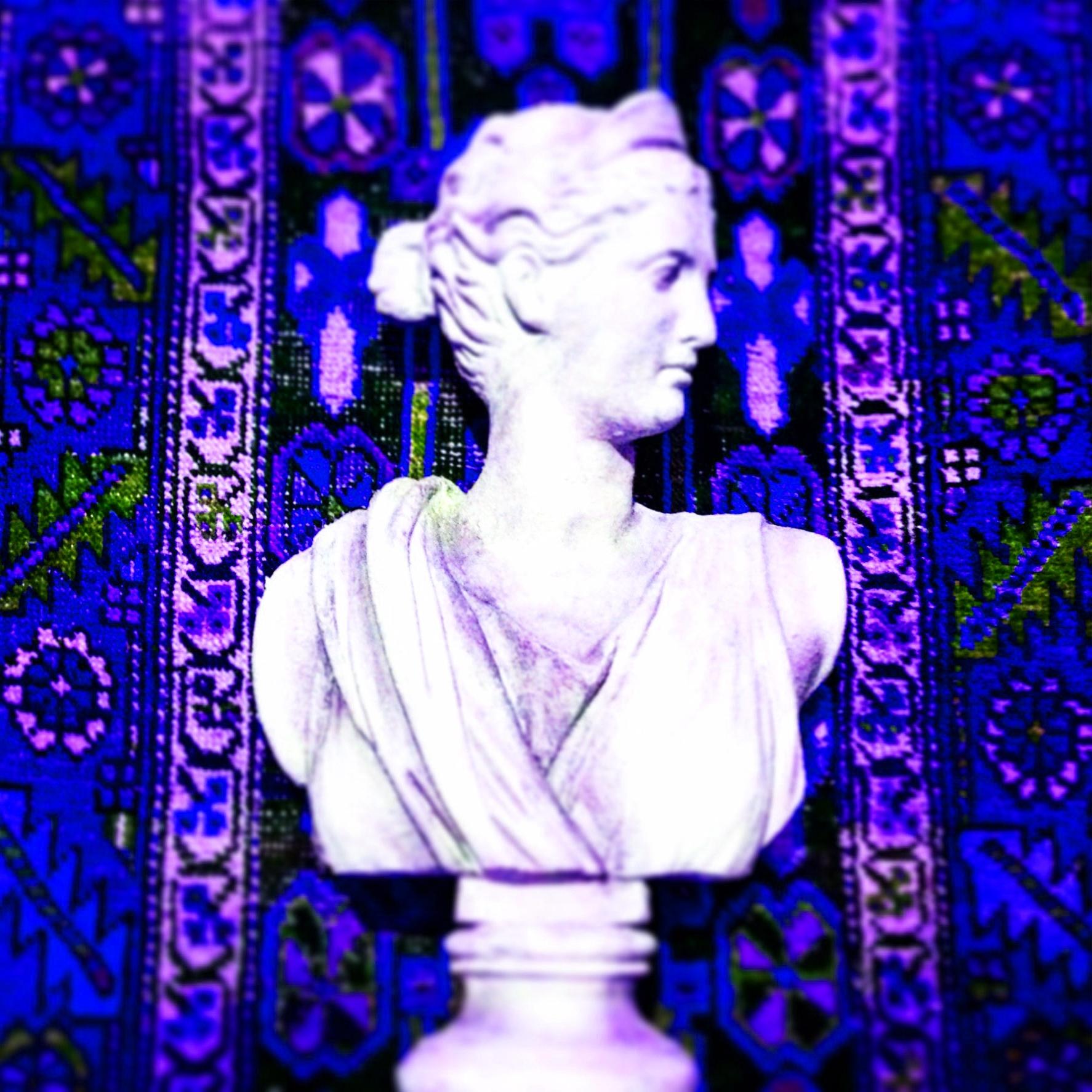 Roman Bust of Lady against Kilim.JPG
