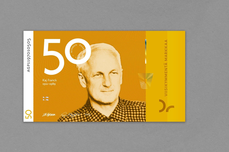Viidenkymmenen markan setelissä arkkitehdin sijaan muotoilija  Kaj Franck .