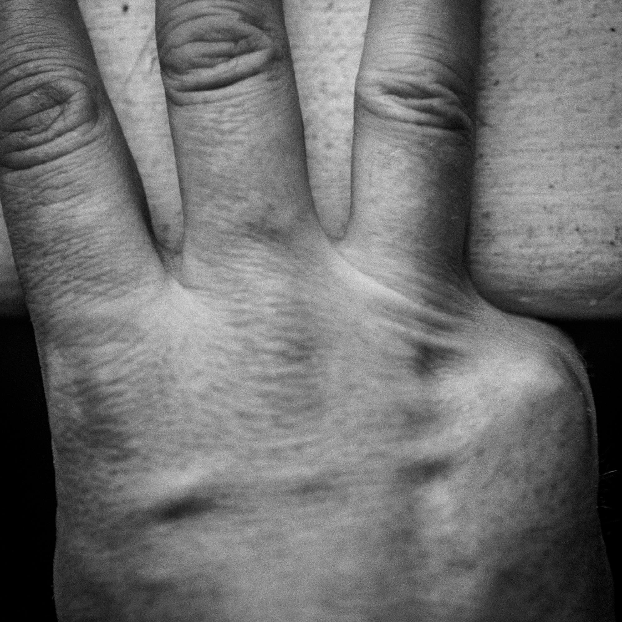 Hand13-104.jpg