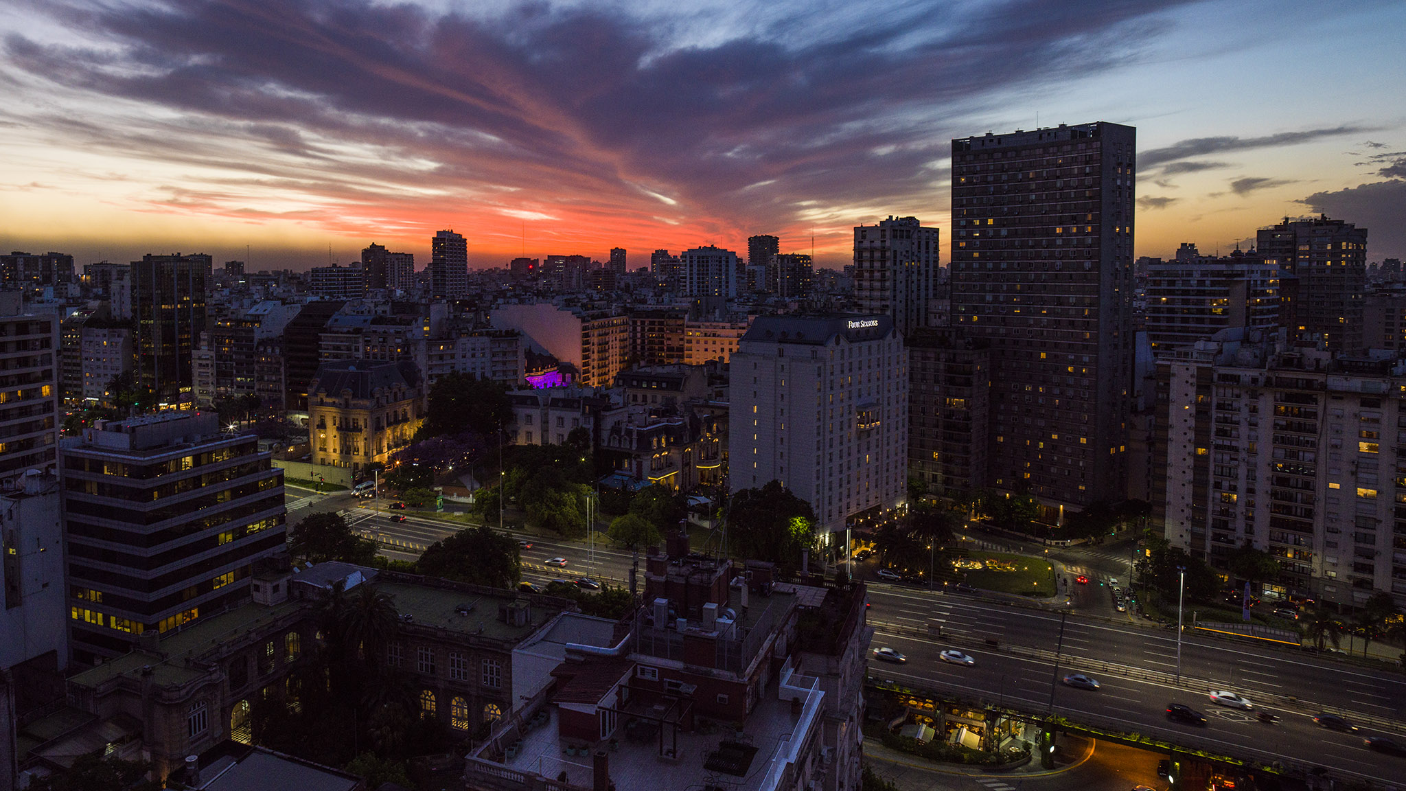 Rooftop view in Buenos Aires.H6D-100C w/ 24mm (handheld).