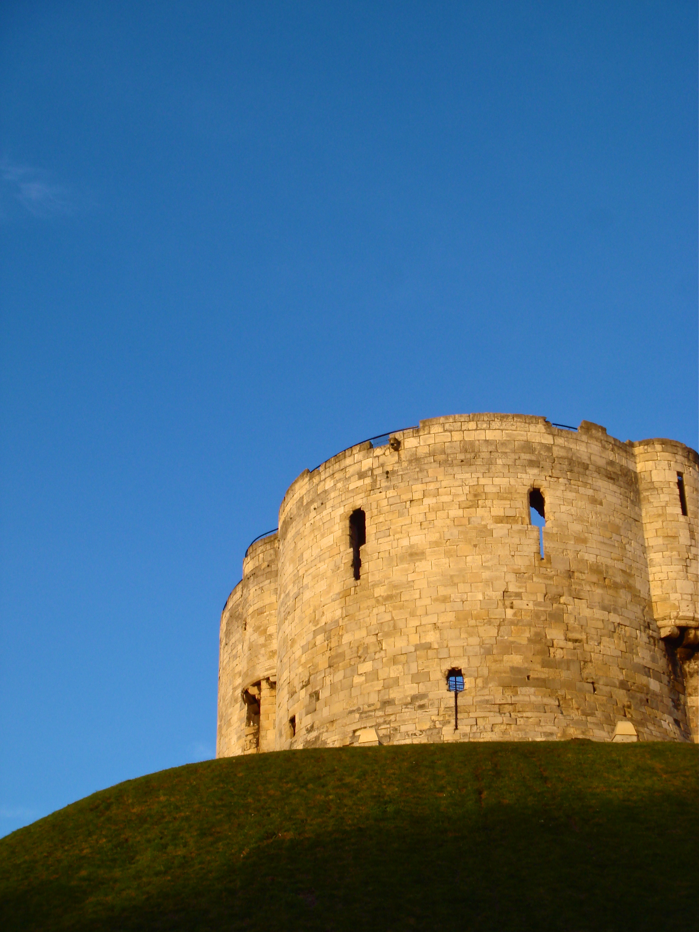 The Clifford Tower       York, UK