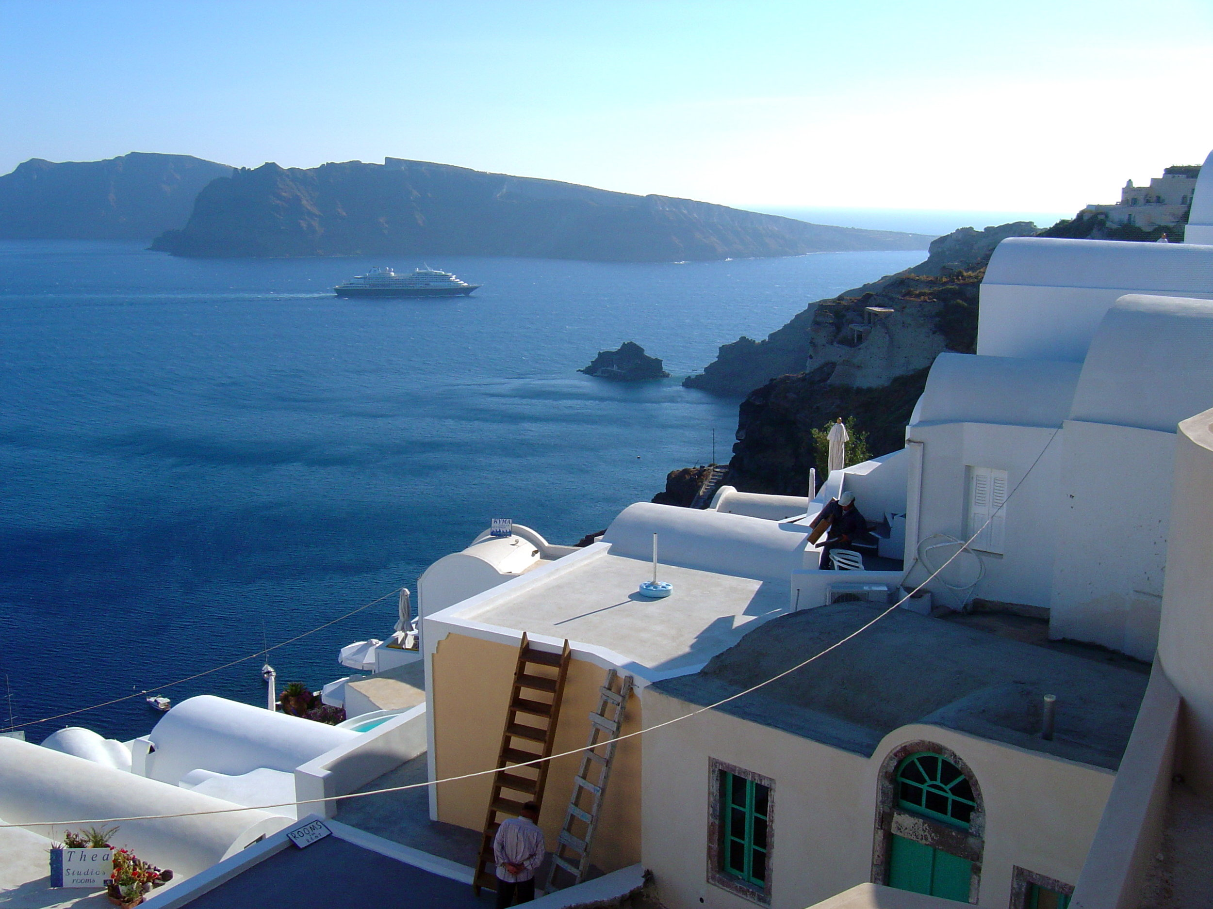 Why Buildings In Greece Are White and Blue