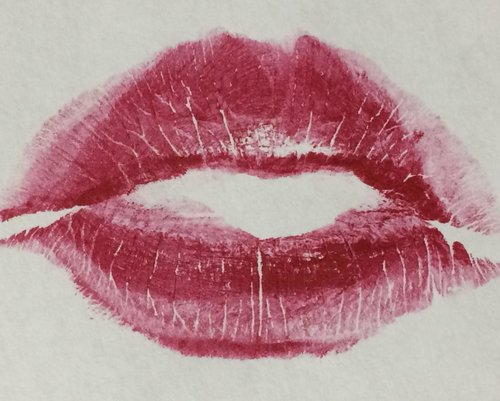 To Kiss Or Not To Kiss? Your Guide To Cheek Kissing Etiquette — The