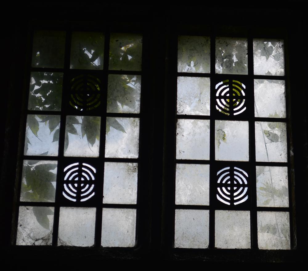 Windowlowres.jpg