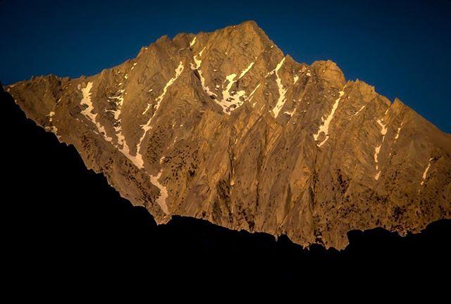 Lone Pine Peak Sunrise! #mountains #SierraNevadaMountains #395 #MARTYhiester