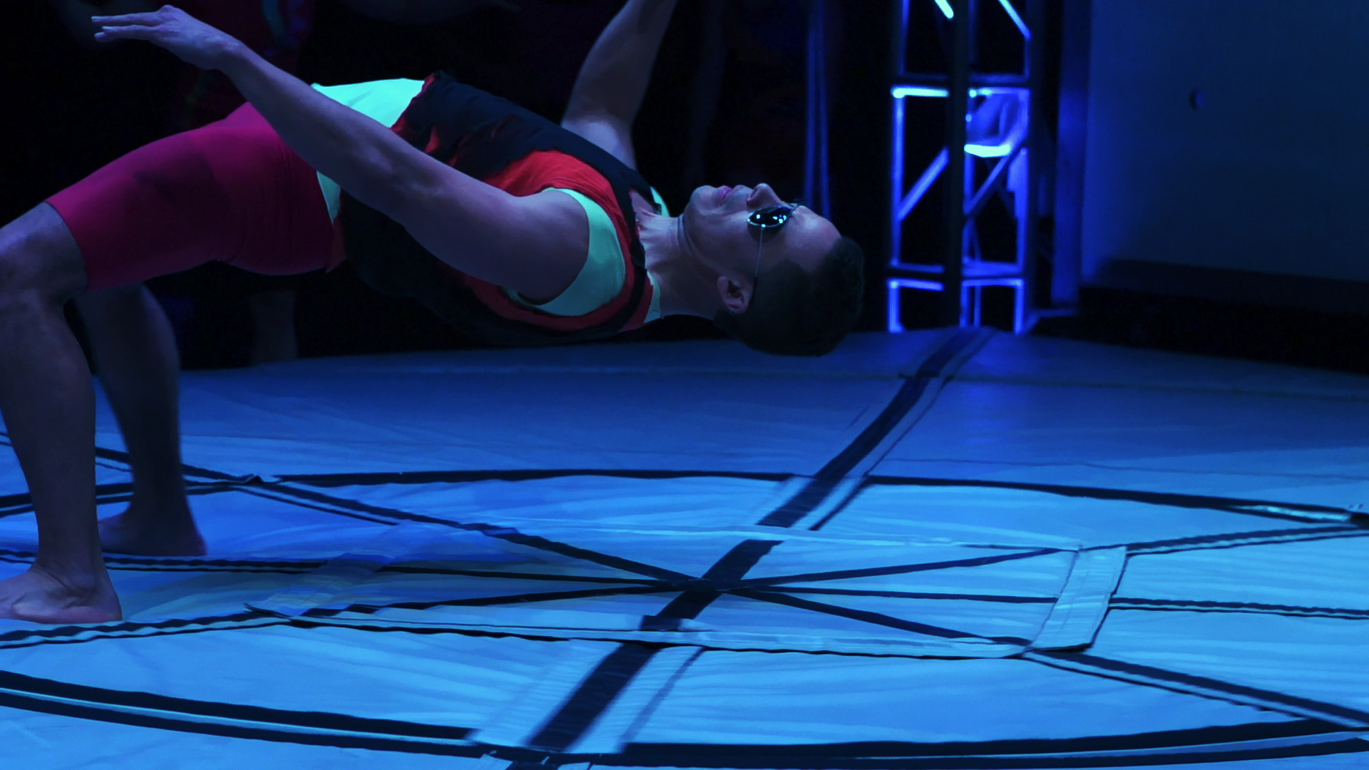 "Leonardo Giron in ""Artificial Gravity,"" FORCES 2012."