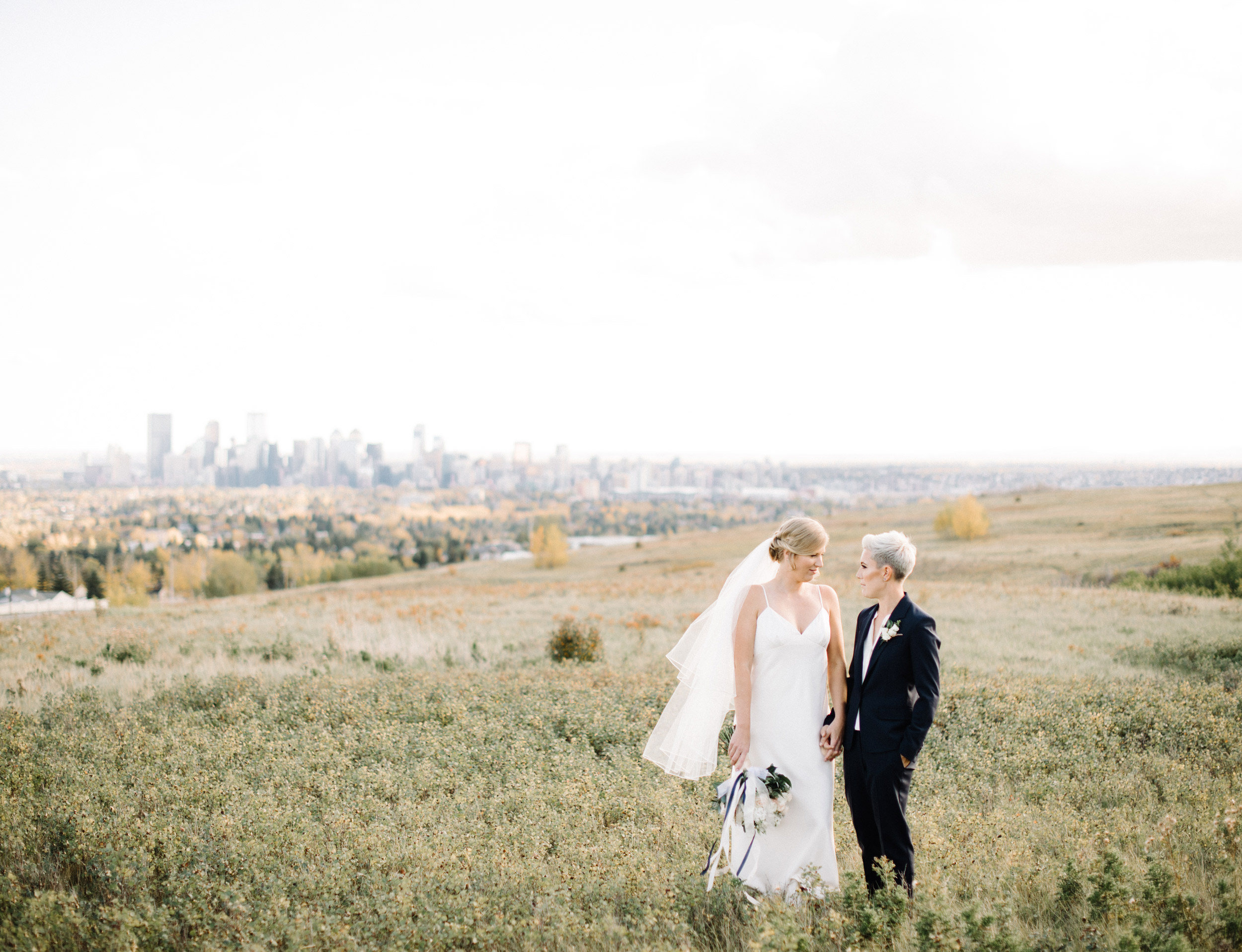 016-calgary_wedding_photographers.jpg