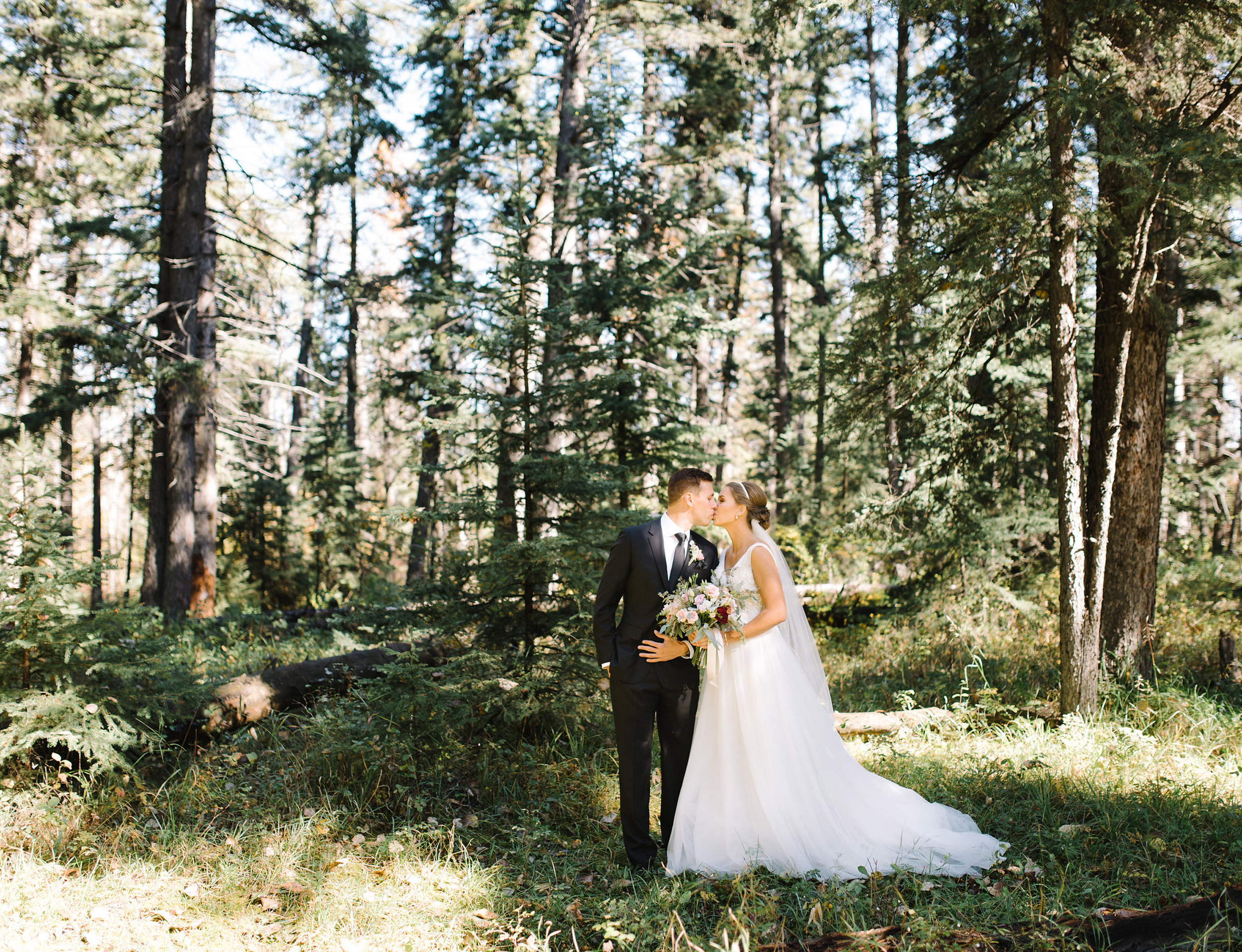 024-calgary_wedding_photographers.jpg