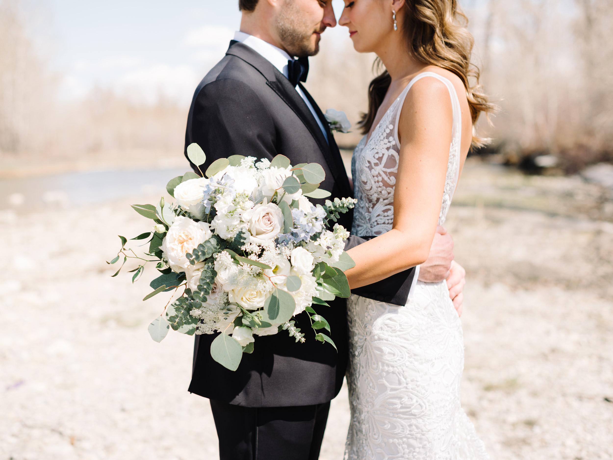 047-The_Lake_House_Calgary_Wedding.jpg