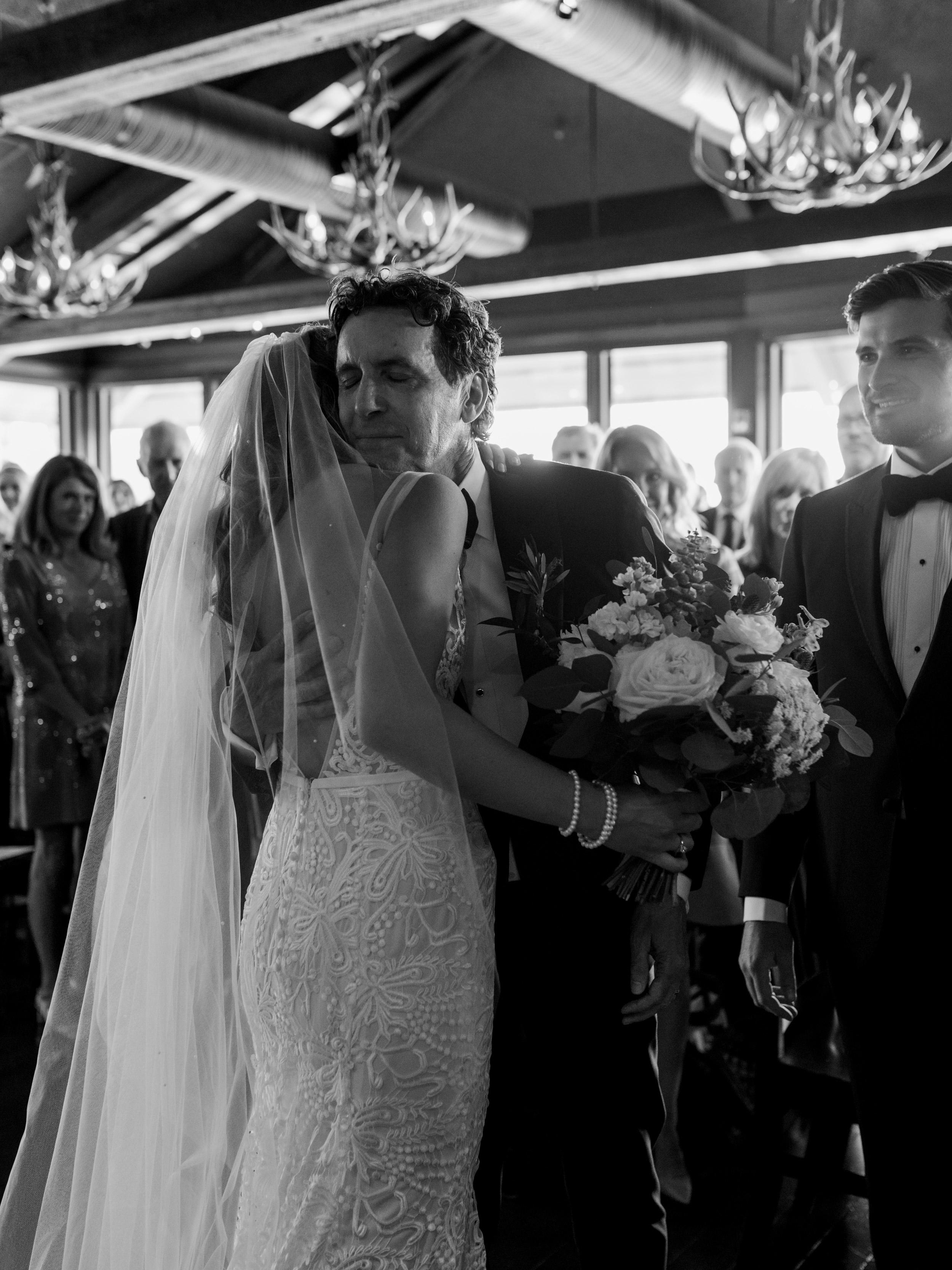 059-The_Lake_House_Calgary_Wedding.jpg