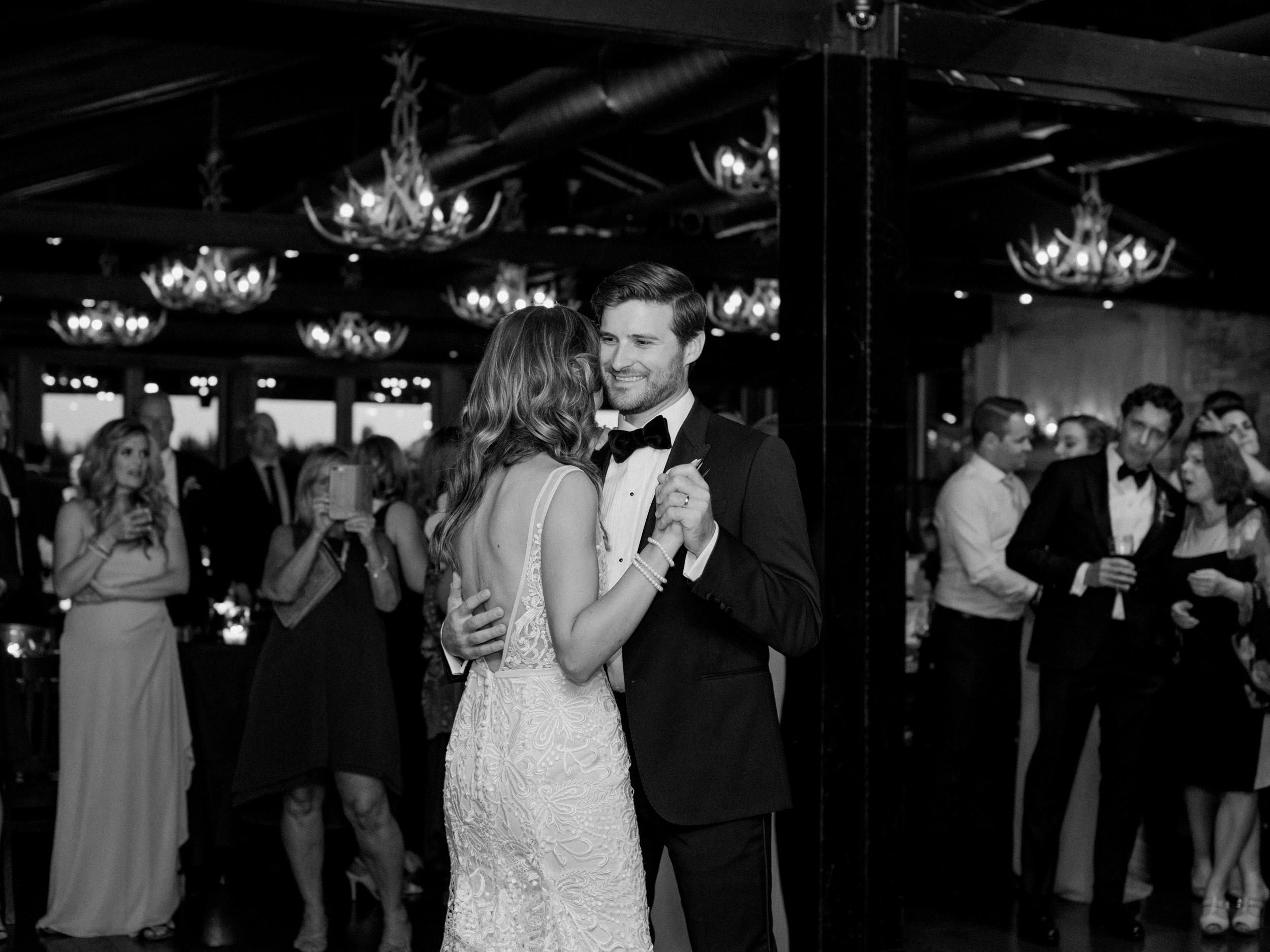 084-The_Lake_House_Calgary_Wedding.jpg