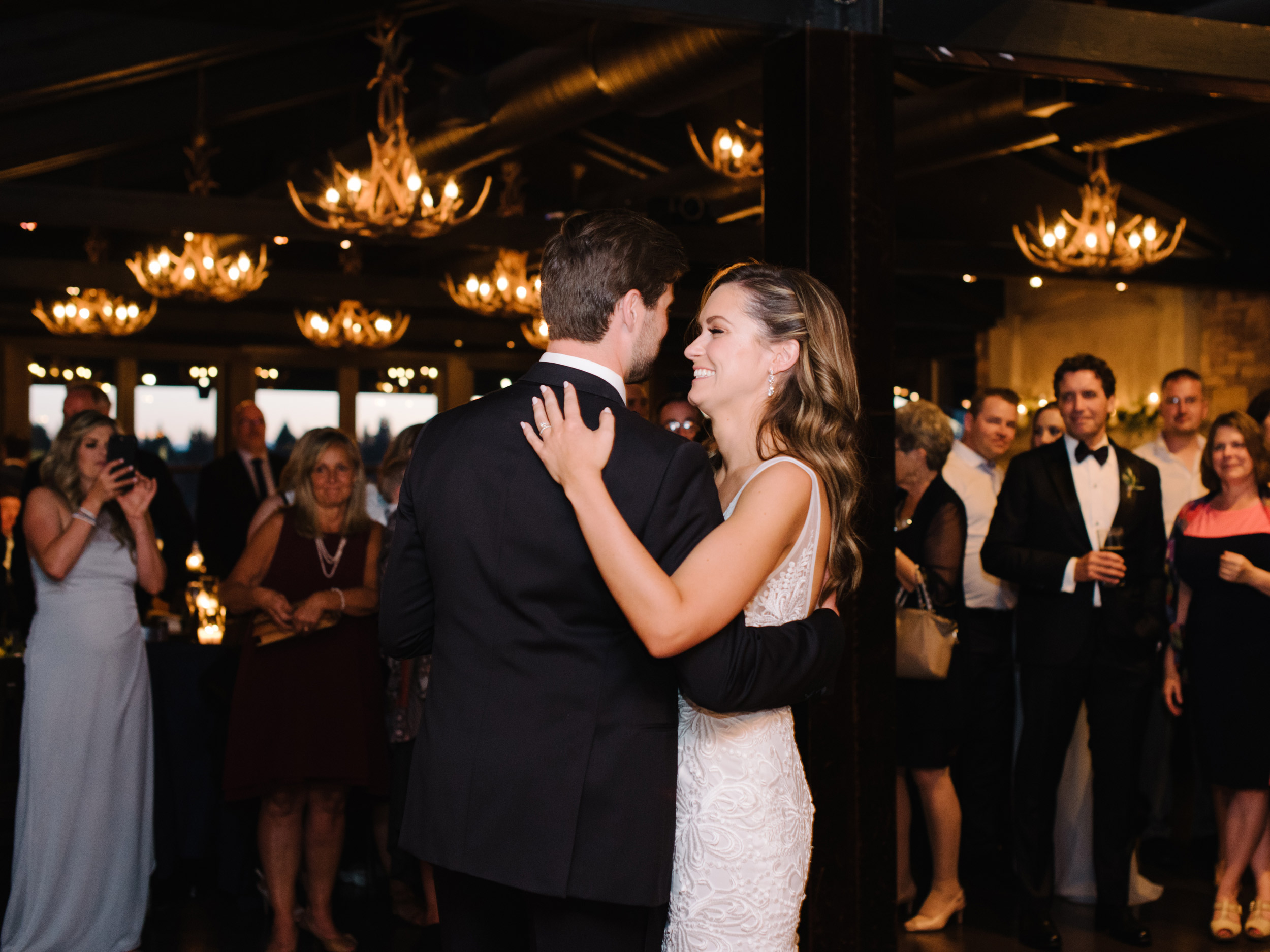 085-The_Lake_House_Calgary_Wedding.jpg